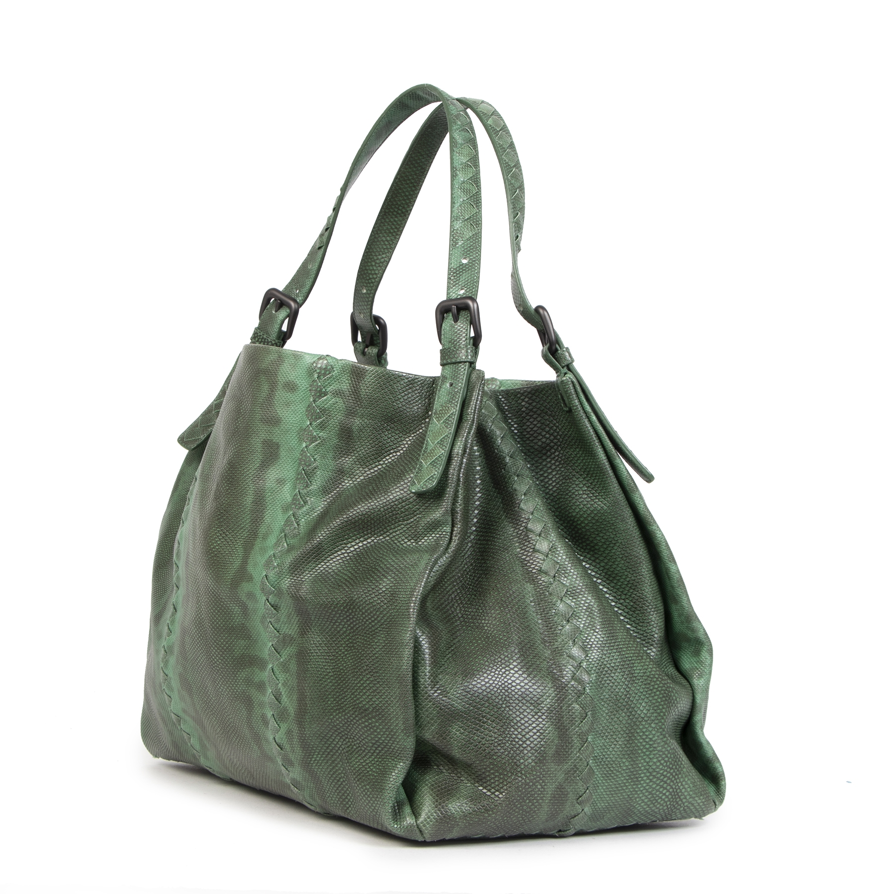 Buy authentic secondhandBottega Veneta Green Python Shoulder Bag  at the right price at LabelLOV vintage webshop. Safe and secure online shopping. Koop authentieke tweedehands Bottega Veneta Green Python Shoulder Bag  met de juiste prijs bij LabelLOV