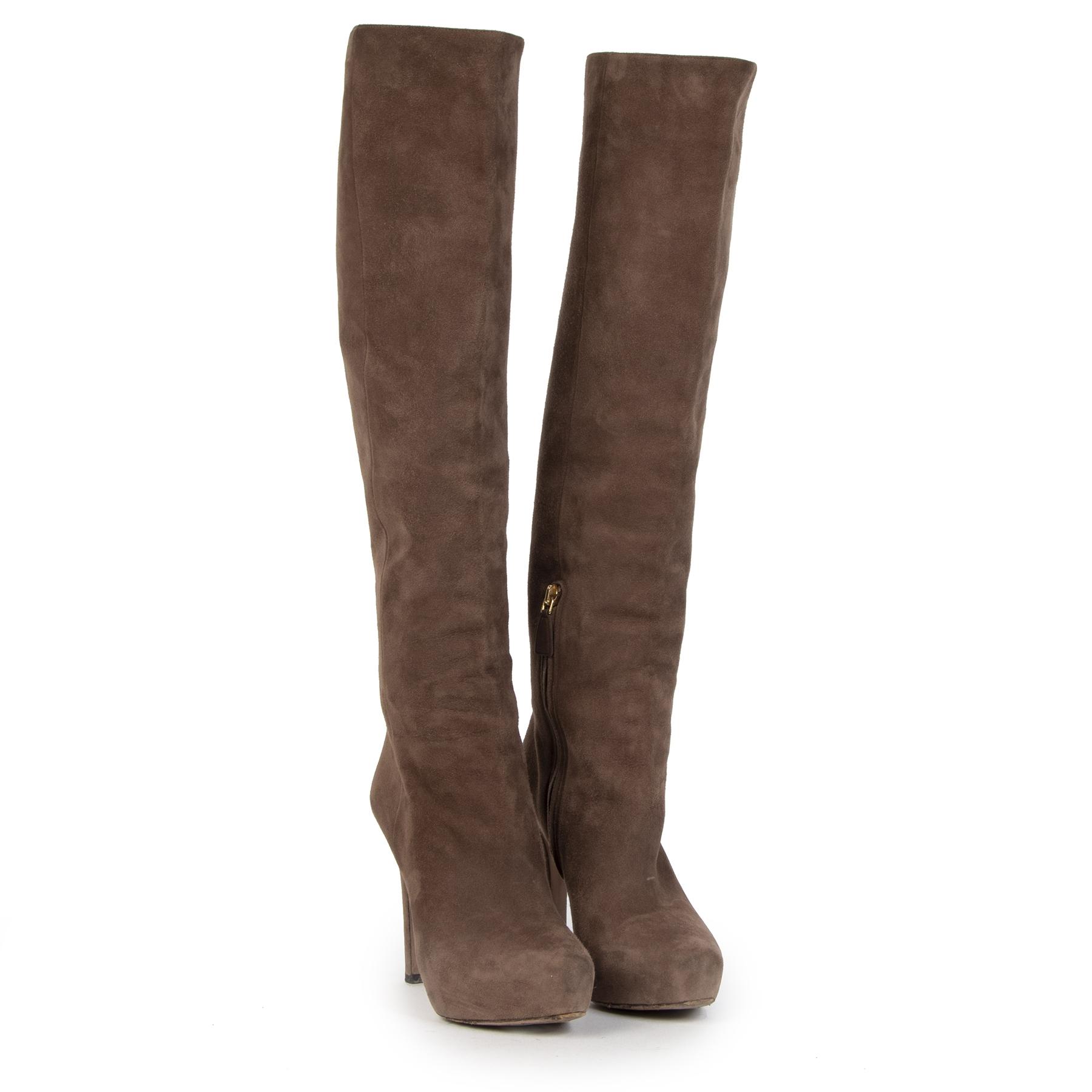 Authentieke Tweedehands Prada Beige Suede Knee Boots - size 37,5 juiste prijs veilig online shoppen luxe merken webshop winkelen Antwerpen België mode fashion