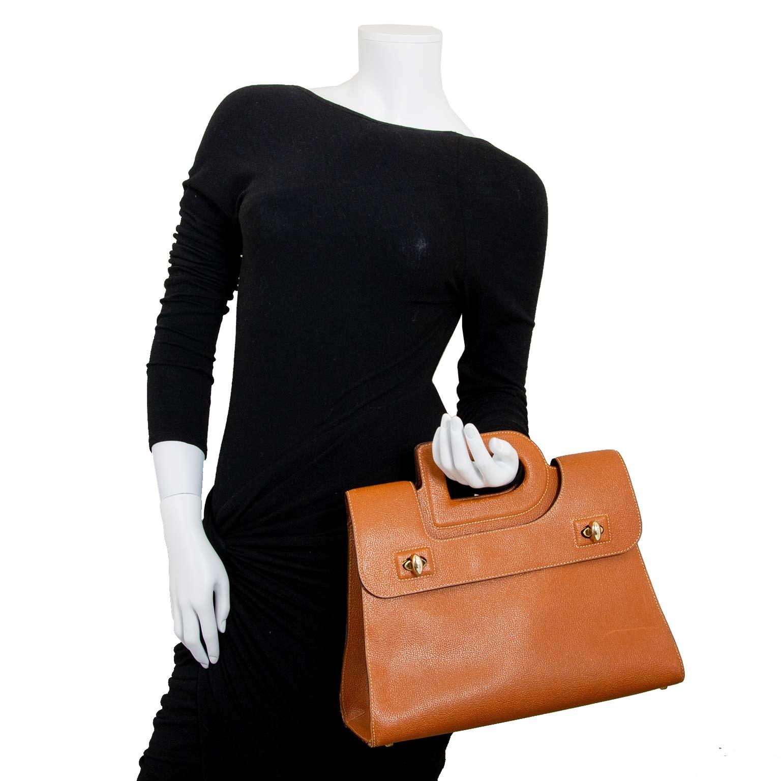 7cd54c322d04 ... bag now for sale at labellov vintage fashion webshop belgium delvaux  cognac d top handle sac à vendre à labellov vintage webshop de mode belgique