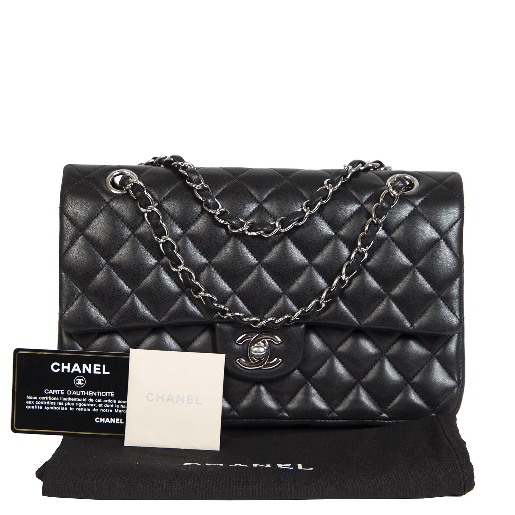 Chanel Medium Classic Black Quilted Double Flap Lambskin Bag te koop bij Labellov tweedehands luxe