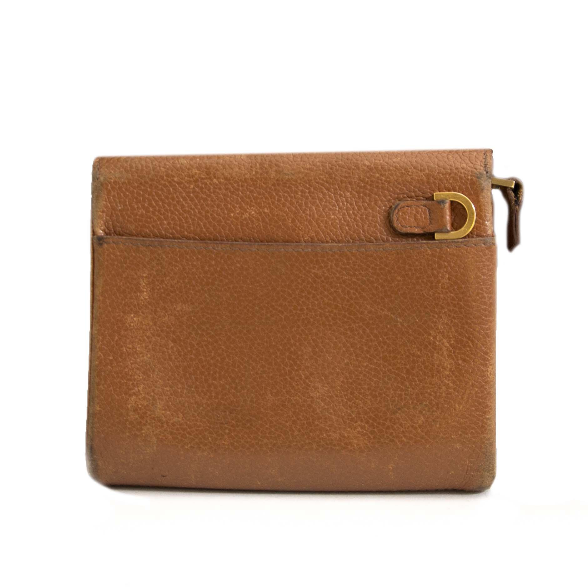 Authentic second hand vintage Delvaux Camel Wallet online webshop LabelLOV