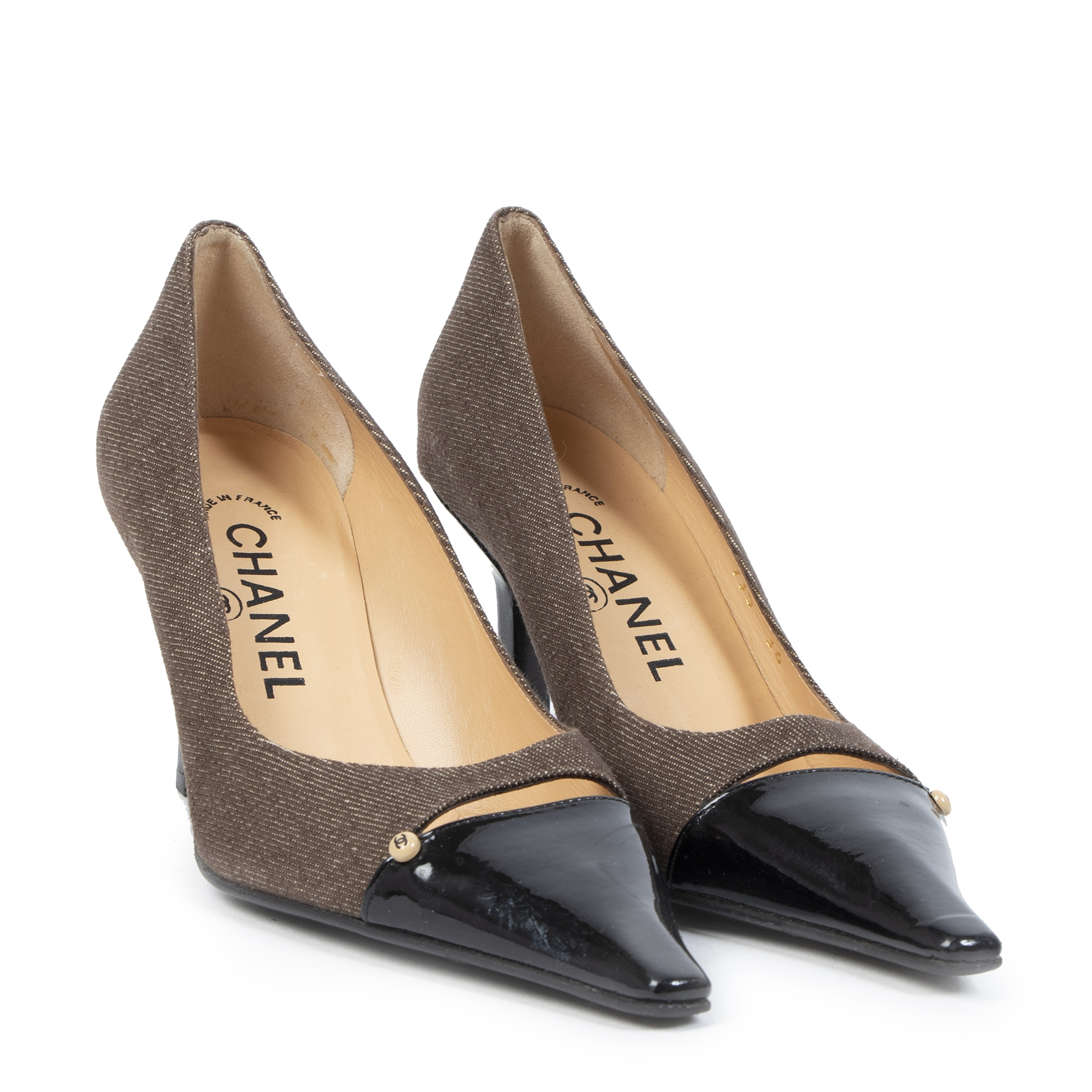 Authentic second-hand vintage Chanel Brown Cut-Out Pumps Size 36 buy online webshop LabelLOV