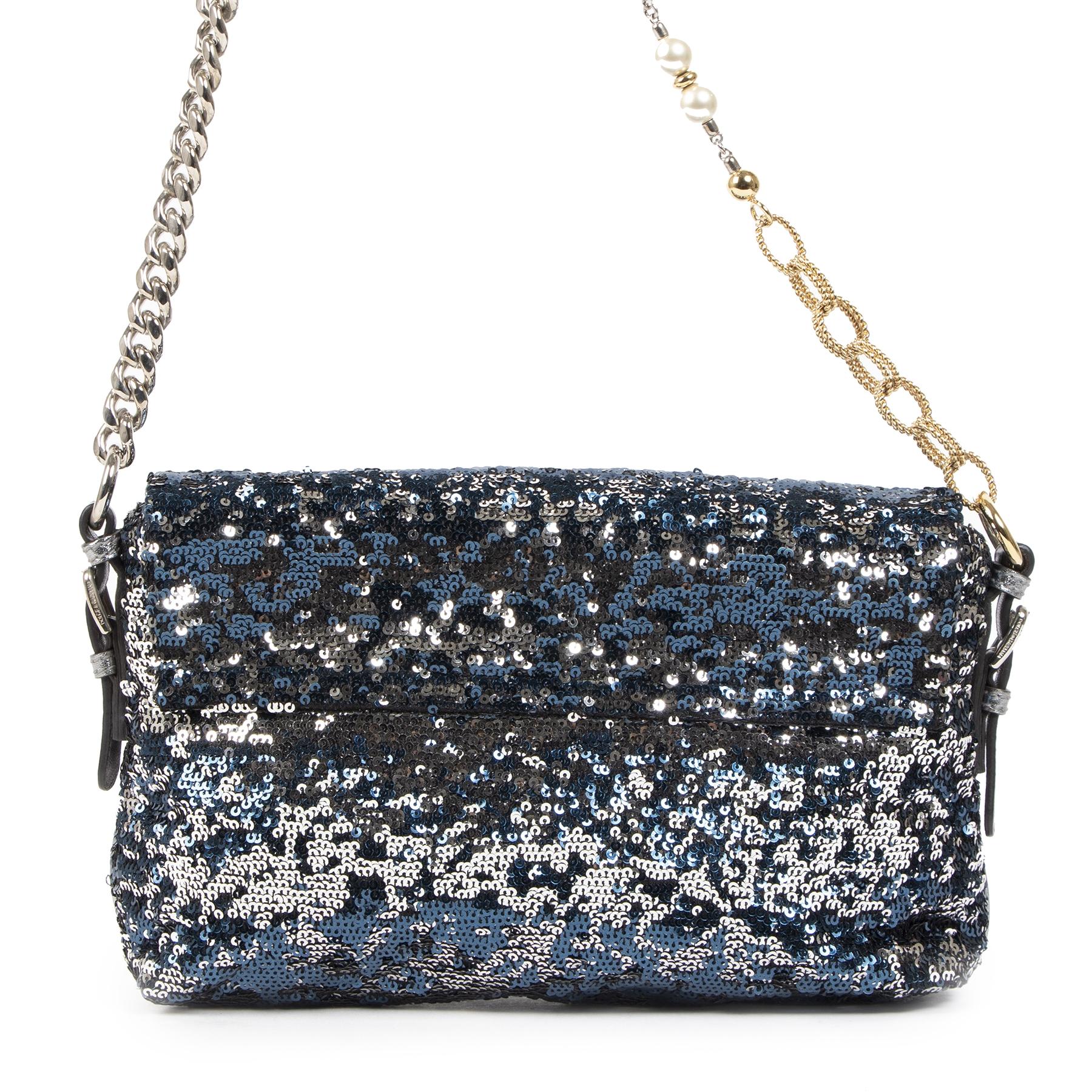 Authentieke Tweedehands Dolce & Gabbana Blue/Silver Sequin Miss Charles Shoulder Bag juiste prijs veilig online shoppen luxe merken webshop winkelen Antwerpen België mode fashion blauw zilver sequin schoudertas D&G