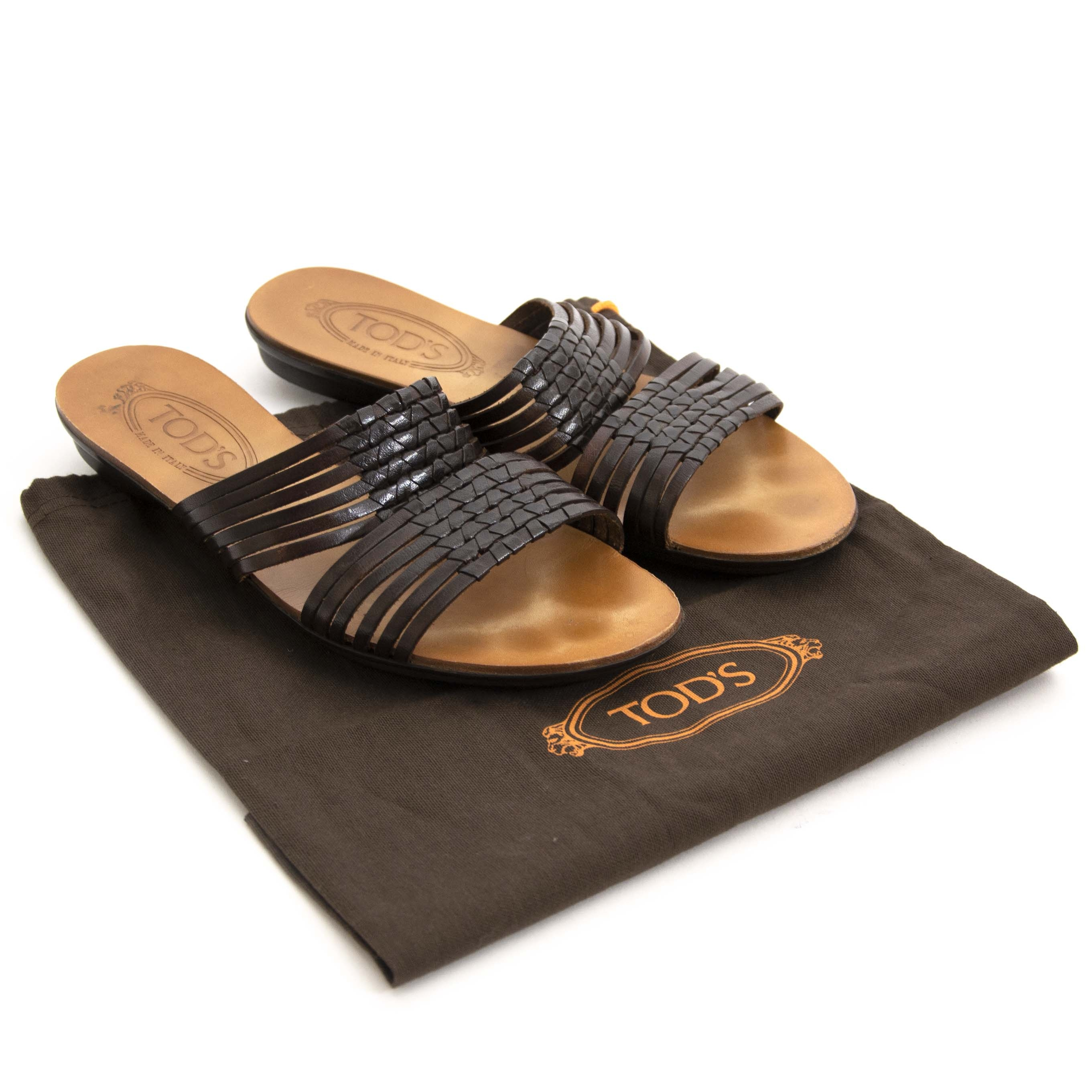Tod's Dark Brown Sandals - Size 38,5. Buy authentic secondhand Tod's shoes at the right price at LabelLOV, safe and secure online shopping. Koop authentieke tweedehands Tods schoenen aan de juiste prijs bij LabelLOV.