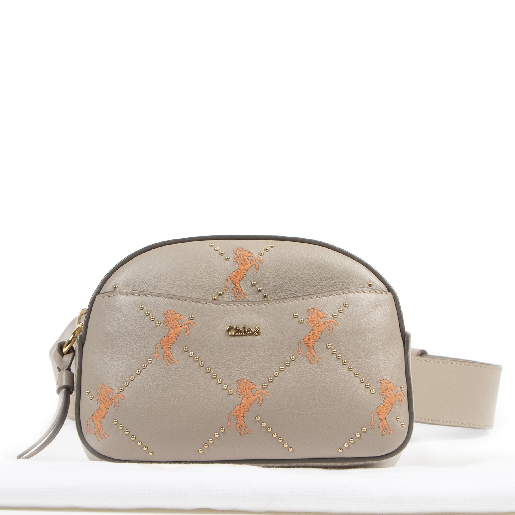 Chloé Embroidered Signature Belt Bag with Horses te koop bij Labellov tweedehands luxe in Antwerpen