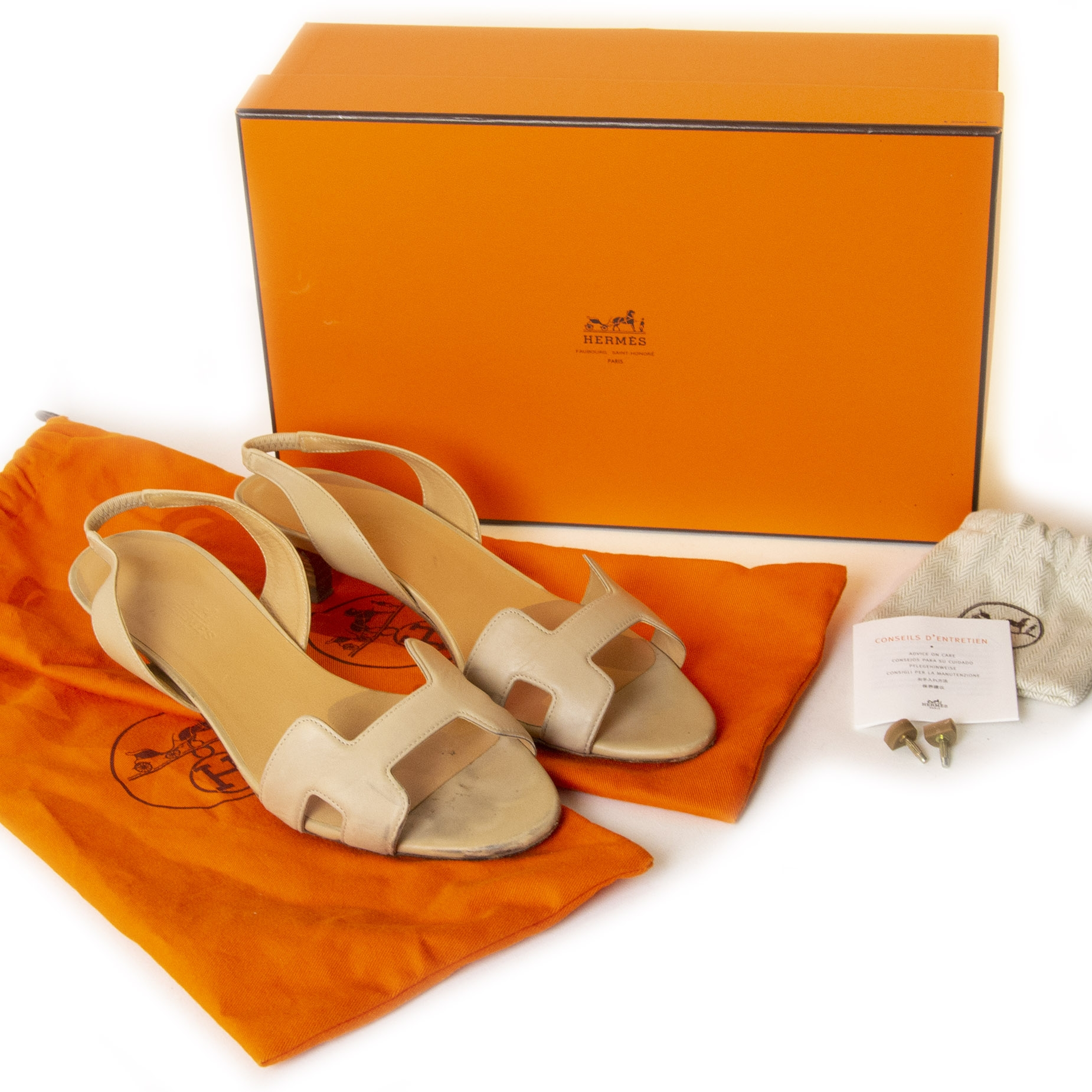 Authentieke tweedehands vintage Hermès Ottomane Kitten Heels - Size 36 koop online webshop LabelLOV