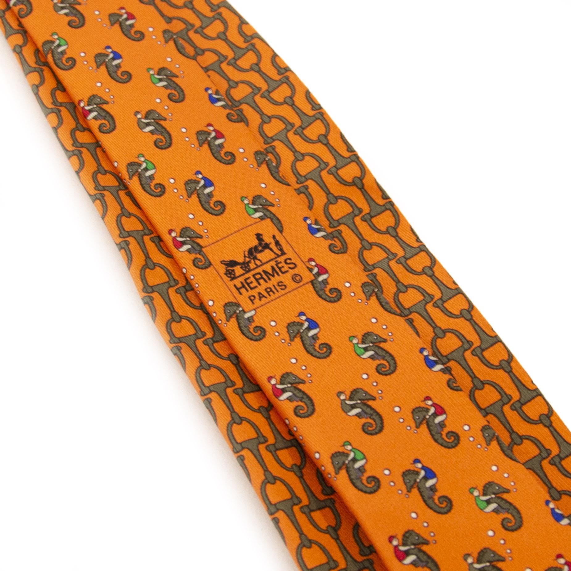 Authentieke tweedehands Hermès Horsebit Silk Orange Tie juiste prijs veilig online winkelen LabelLOV webshop luxe merken winkelen Antwerpen België mode fashion