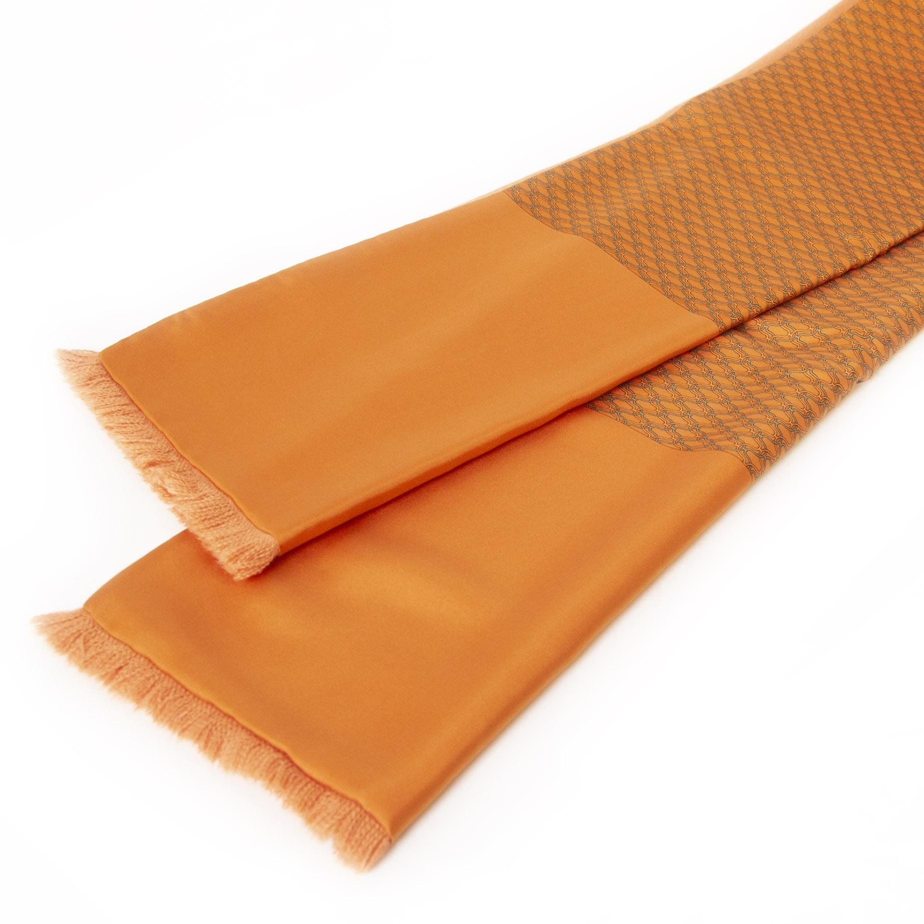 Authentieke tweedehands Hermès Orange Chaine d'Ancre Silk & Angora Muffler Scarf juiste prijs veilig prijs veilig online winkelen LabelLOV webshop luxe merken winkelen Antwerpen België mode fashion