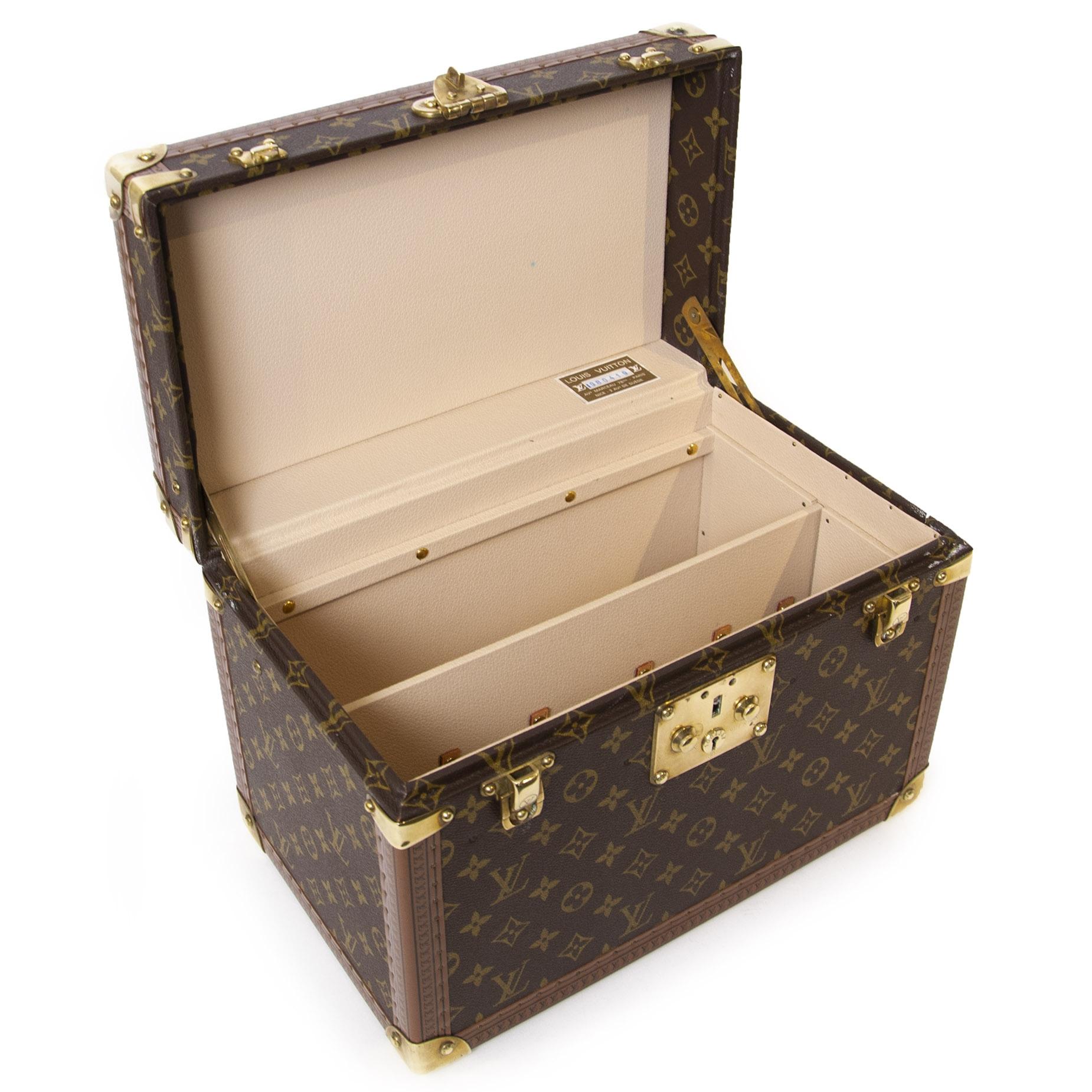Authentieke tweedehands Louis Vuitton Vintage Monogram Travel Trunk Case juiste prijs veilig online winkelen LabelLOV webshop luxe merken winkelen Antwerpen België mode fashion