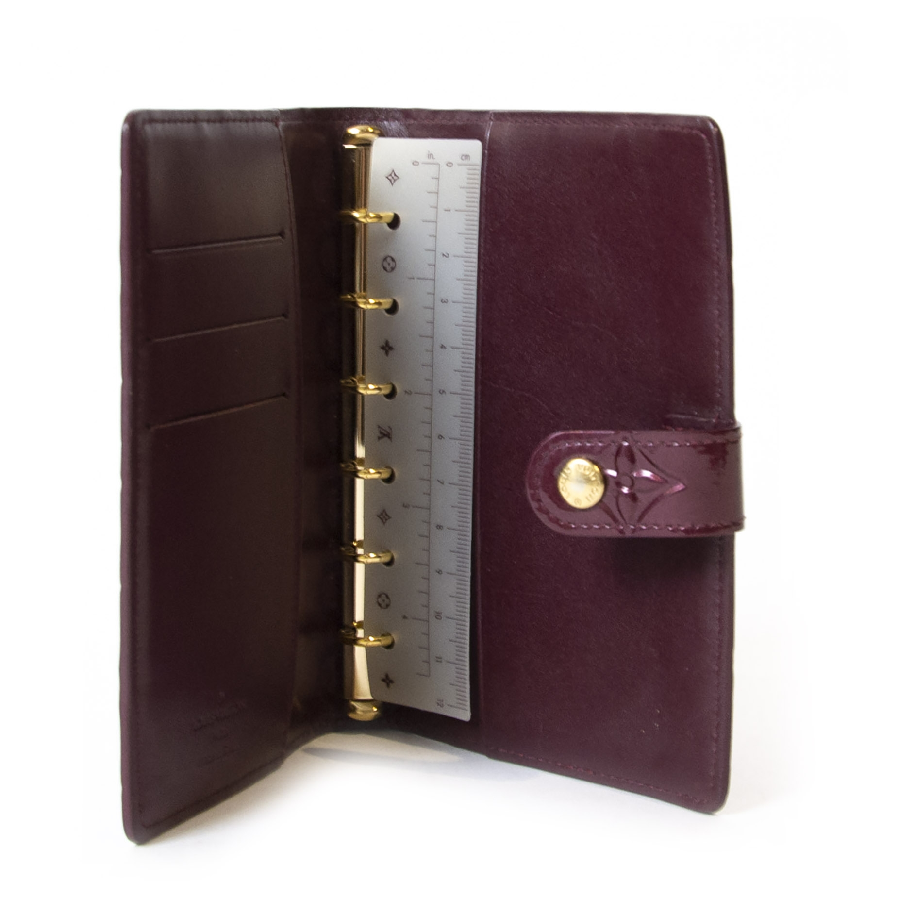 We buy and sell your authentic Louis Vuitton Amarante Vernis Agenda PM for the best price