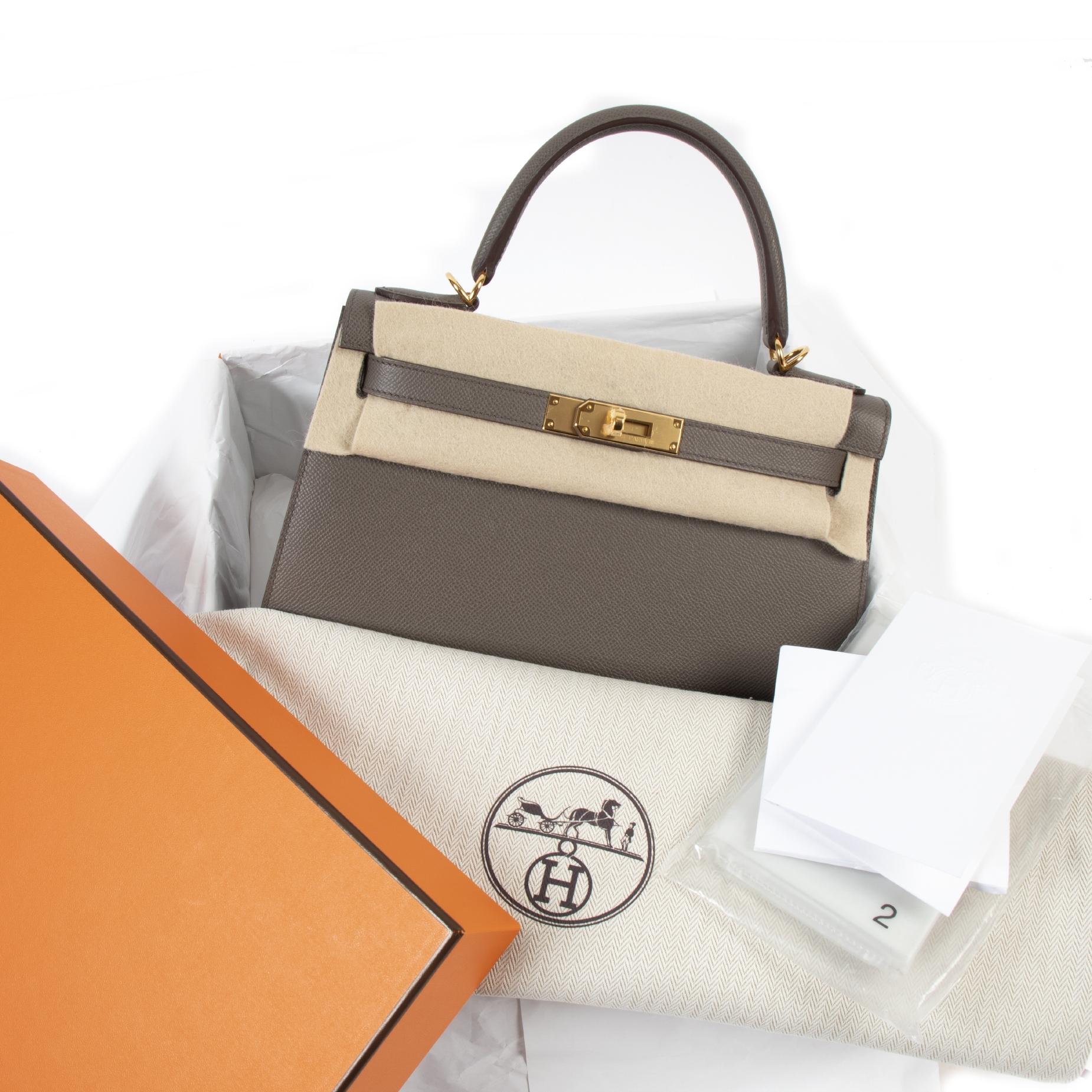 Hermès Kelly 28 Veau Epsom Gris Etain GHW pour le meilleur prix chez Labellov à Anvers