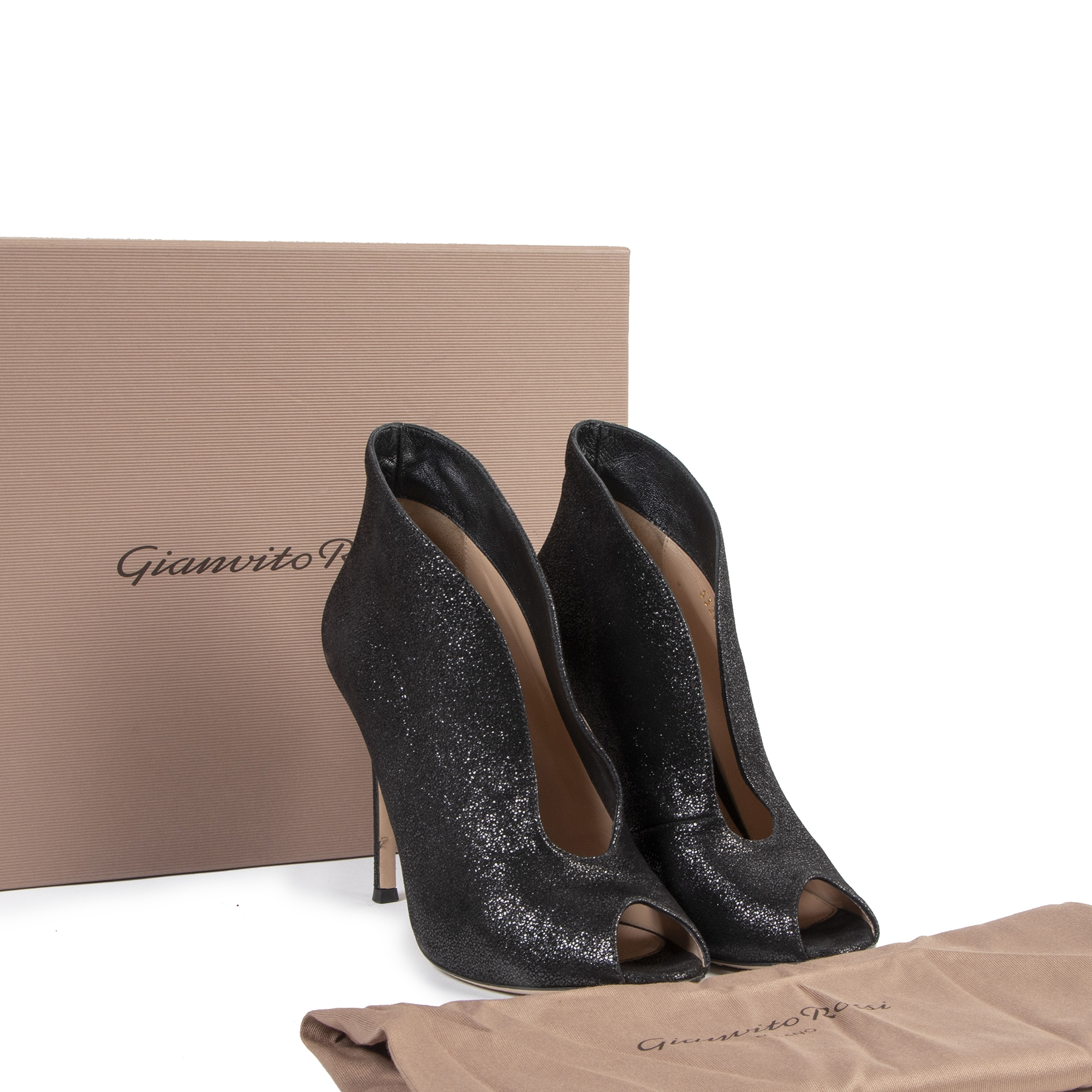Authentic second-hand vintage Gianvito Rossi Black Vamp Heels - Size 37,5 buy online webshop LabelLOV
