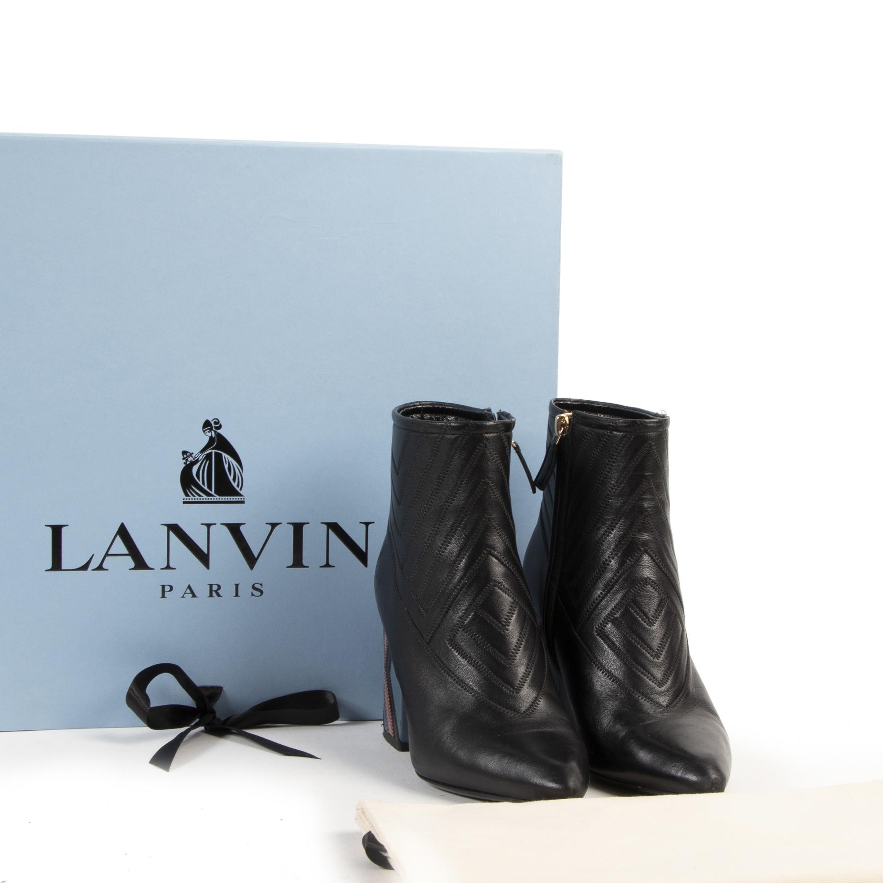 Lanvin Chunky Bootie Patch Heels kopen en verkopen bij Labellov tweedehands luxe webshop