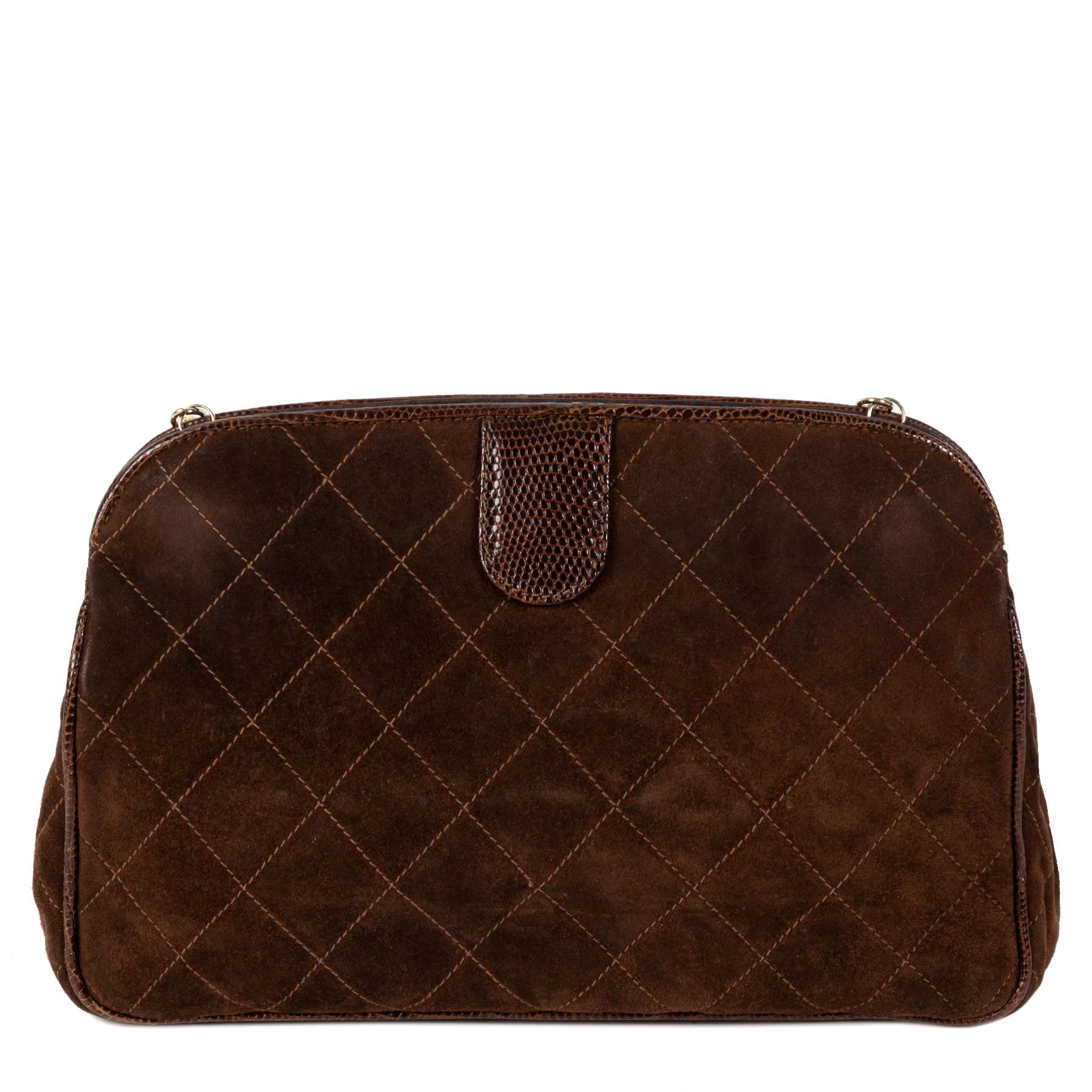 Authentieke Tweedehands Chanel Brown Suede Crossbody Bag juiste prijs veilig online shoppen luxe merken webshop winkelen Antwerpen België mode fashion