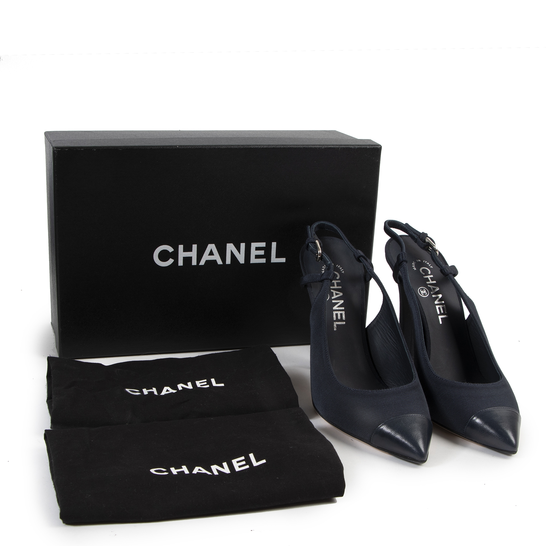We buy and sell your authentic designer bags for the best price at labellov Chanel Blue Fabric Pumps - size 38.5