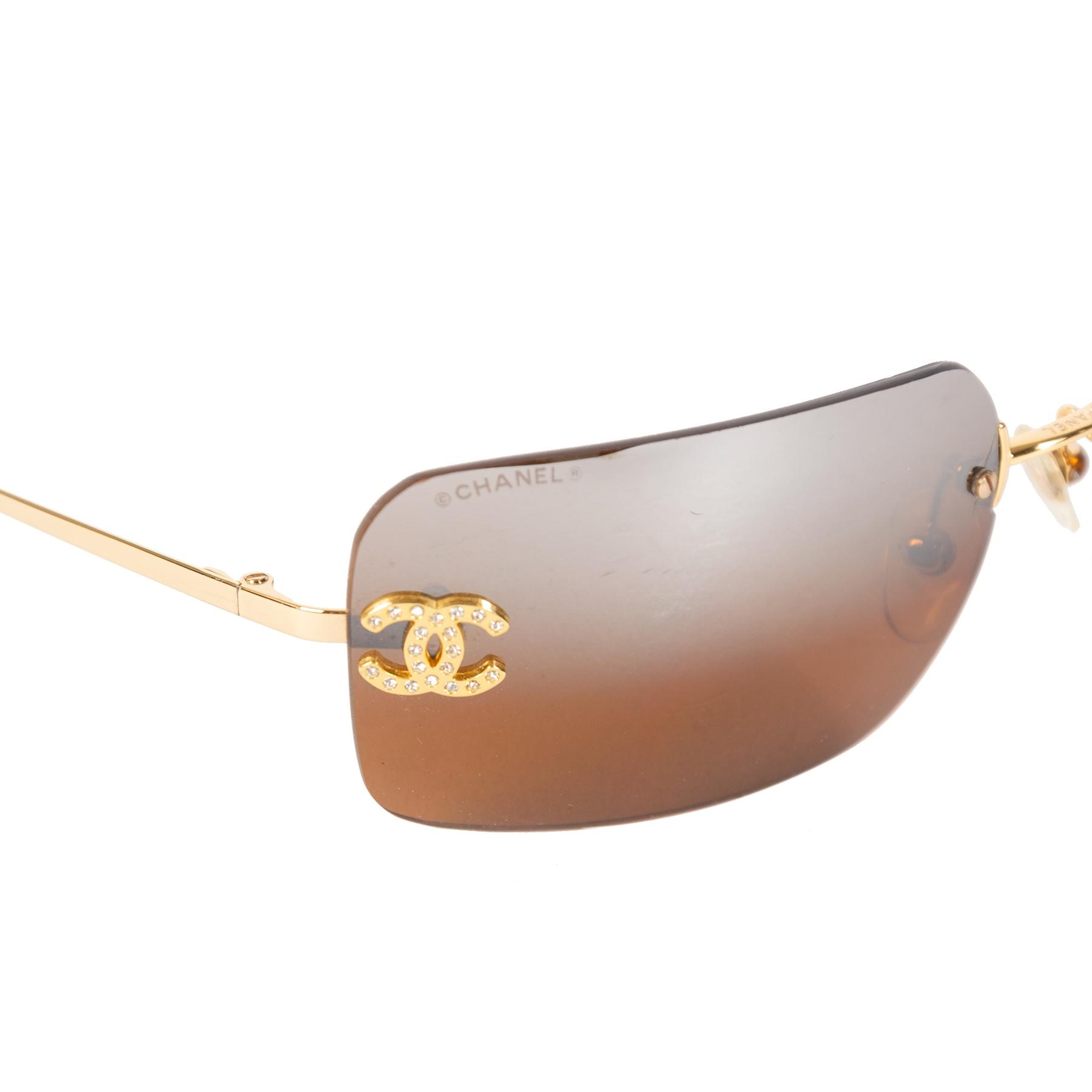Authentieke Tweedehands Chanel Gold Brown Rimless Crystal CC Logo Sunglasses juiste prijs veilig online shoppen luxe merken webshop winkelen Antwerpen België mode fashion