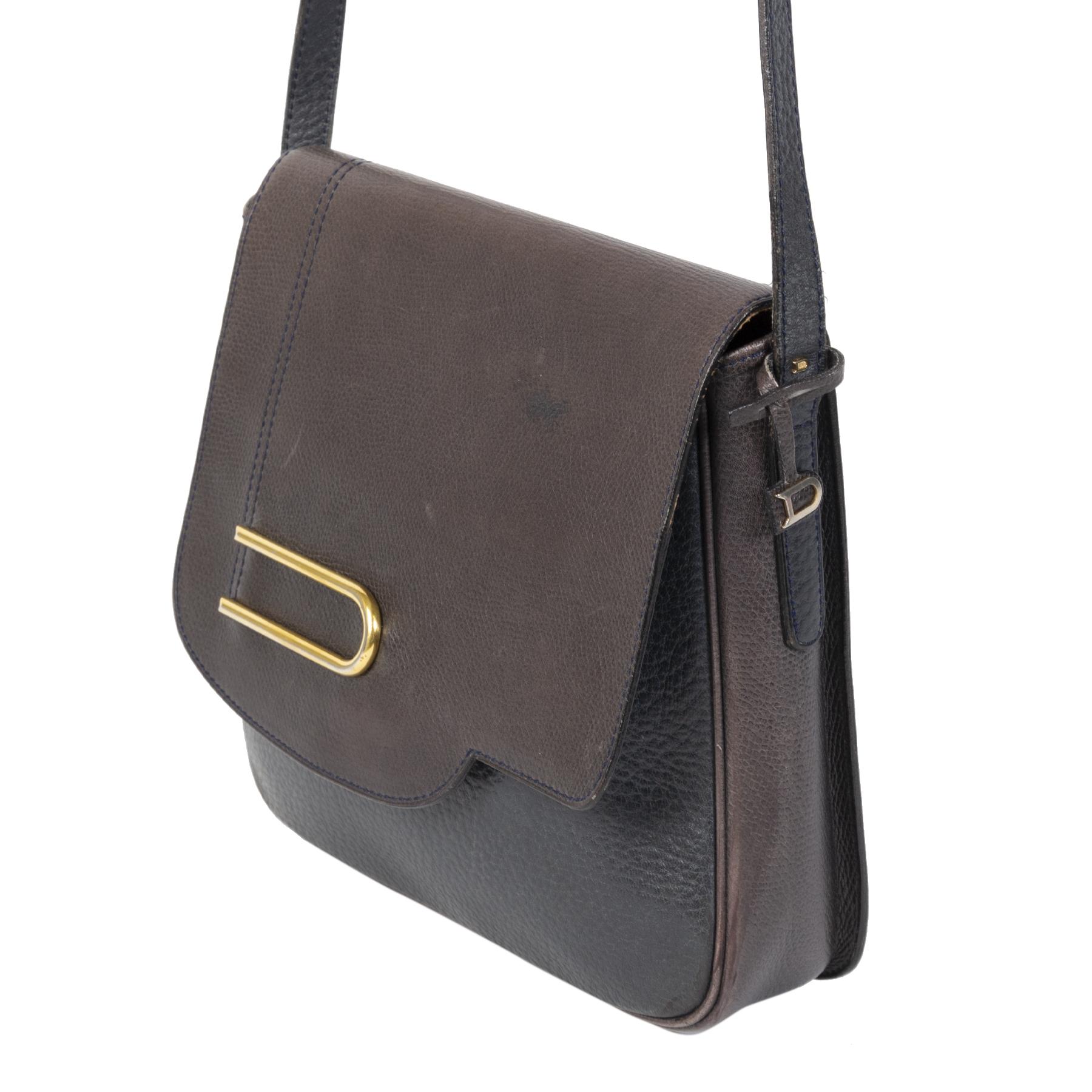 Authentieke Tweedehands Delvaux Dark Blue & Brown Leather Crossbody Bag juiste prijs veilig online shoppen luxe merken webshop winkelen Antwerpen België mode fashion