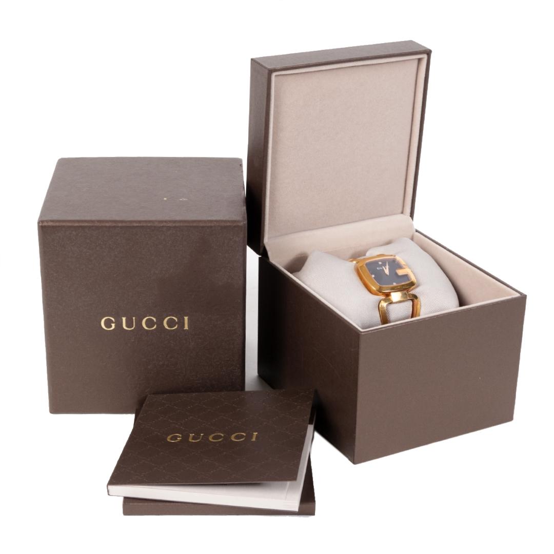 tweedehands Gucci Rose/Gold Steel Squared Dial Watch  veilig online kopen