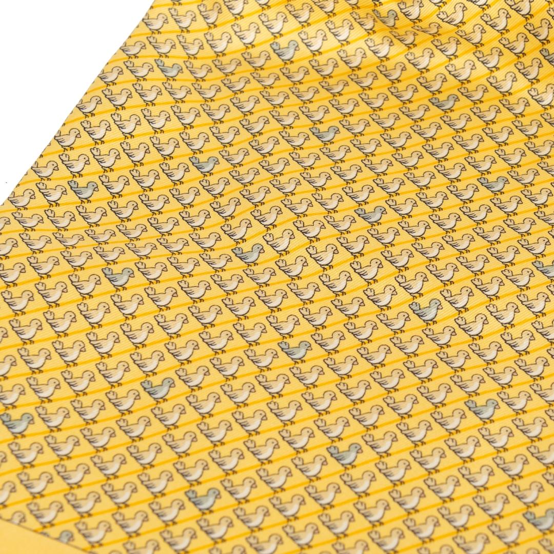 Authentieke Tweedehands Hermès Yellow Pleated Scarf juiste prijs veilig online shoppen luxe merken webshop winkelen Antwerpen België mode fashion