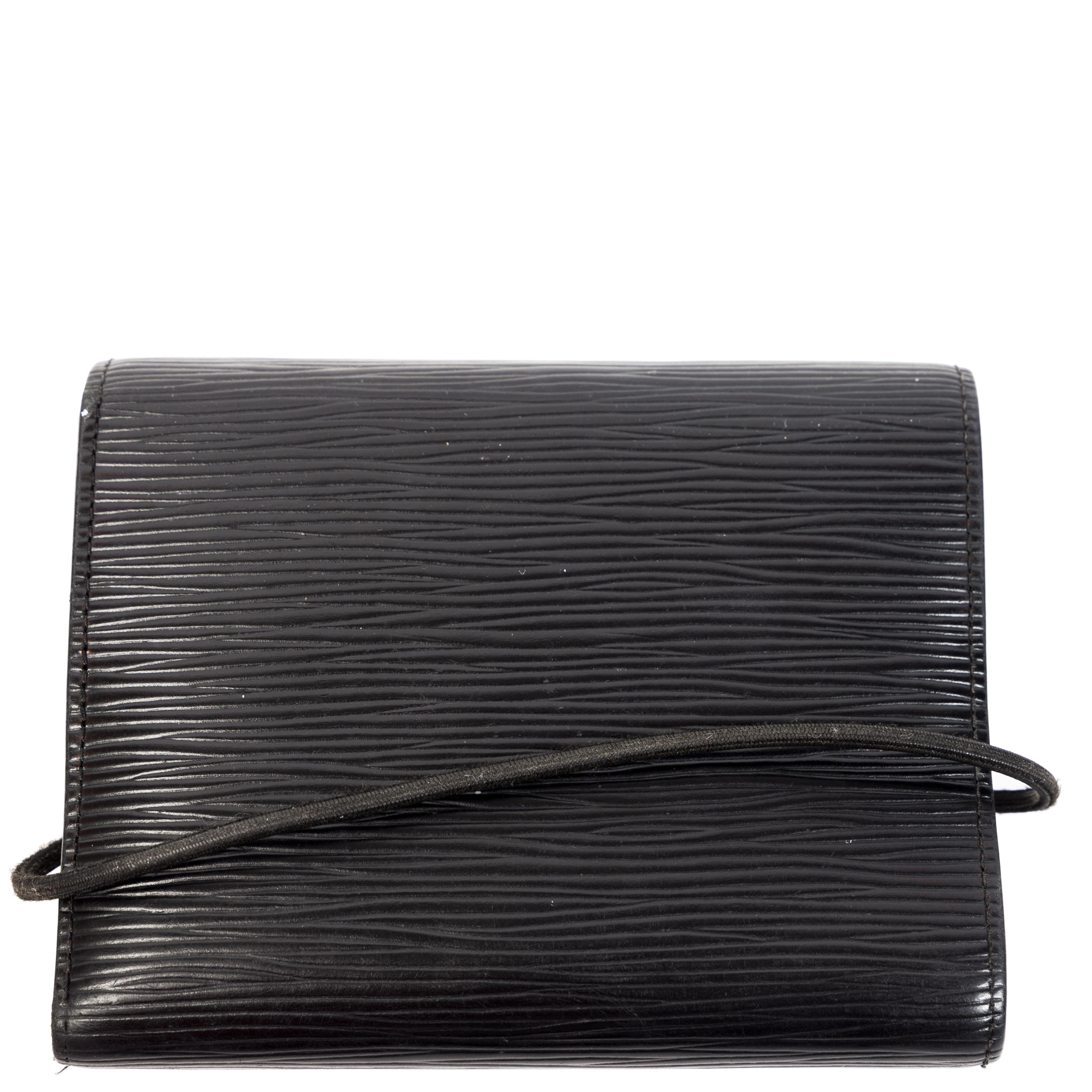 Authentieke Tweedehands Louis Vuitton Black Epi Leather Elastic Wallet juiste prijs veilig online shoppen luxe merken webshop winkelen Antwerpen België mode fashion