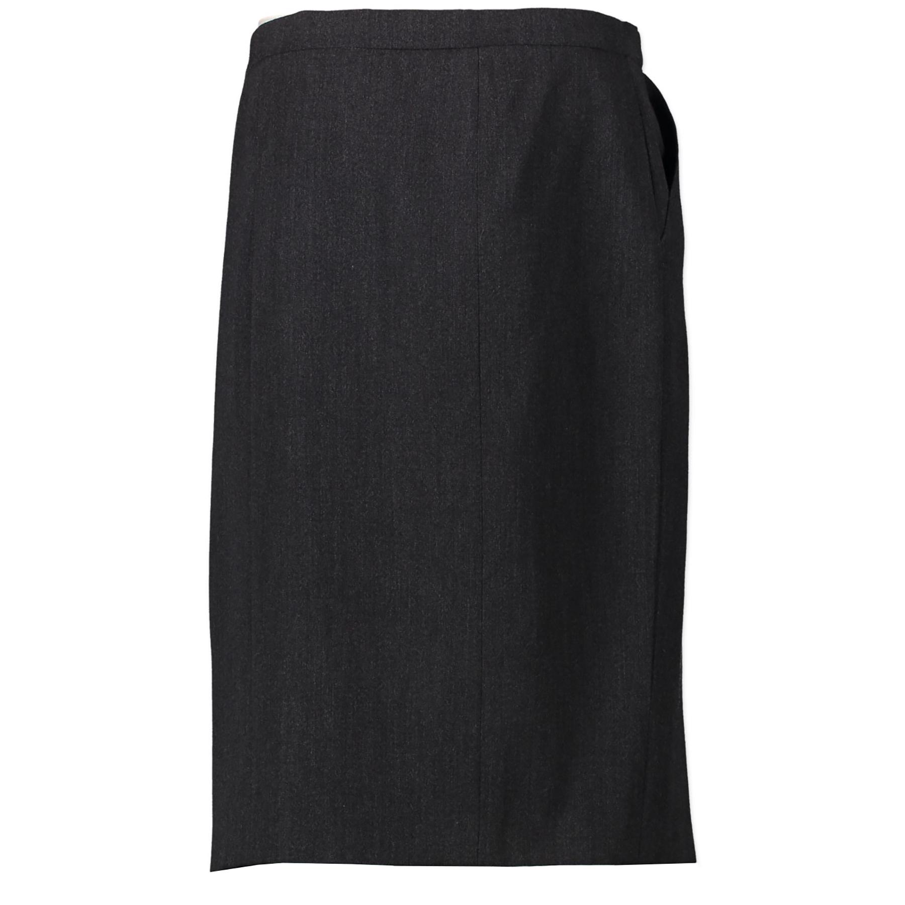 Chanel Grey Wool Buttons Skirt pour le meilleur prix chez Labellov à Anvers Belgique