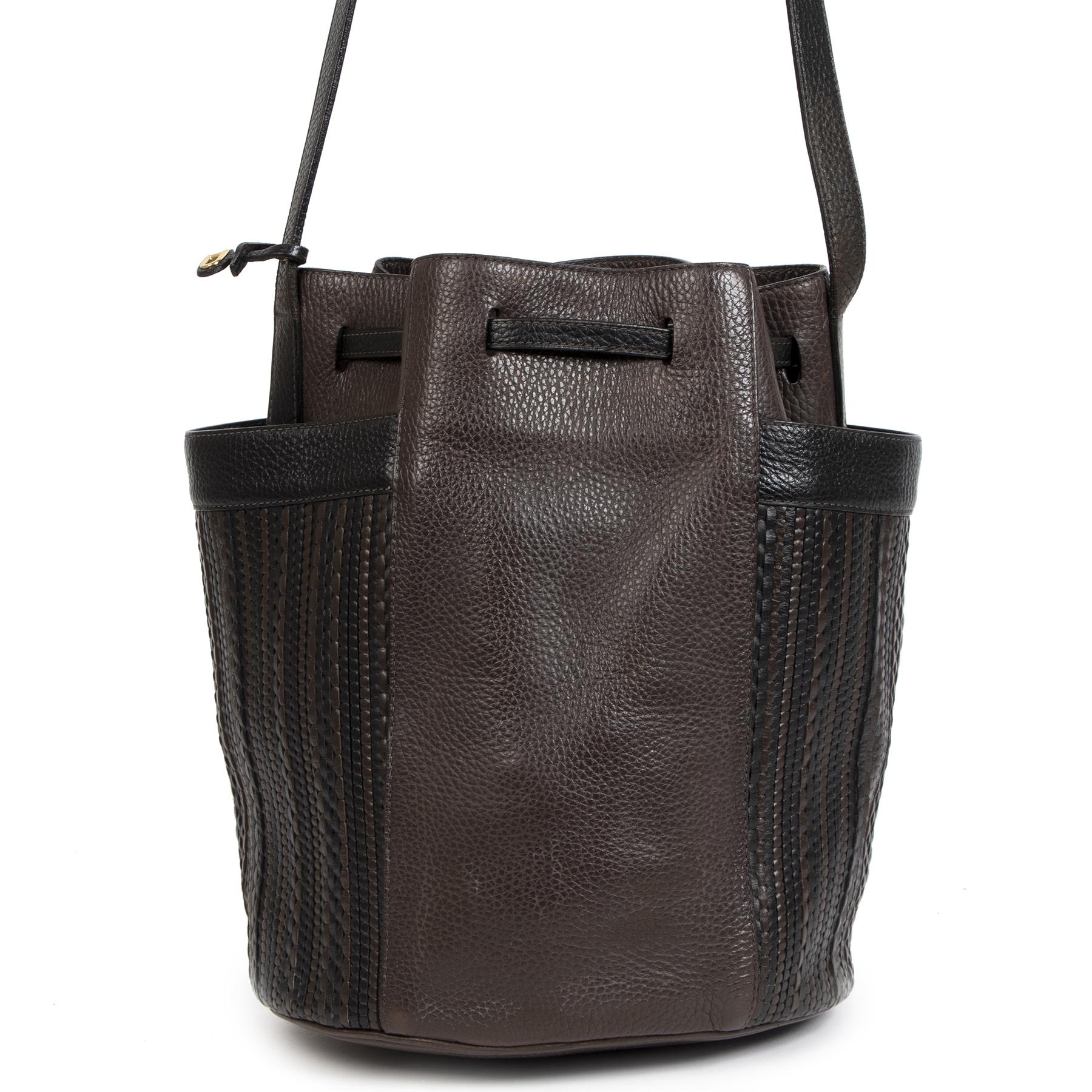 Authentieke Tweedehands Delvaux Dark Brown Woven Leather Bucket Bag juiste prijs veilig online shoppen luxe merken webshop winkelen Antwerpen België mode fashion