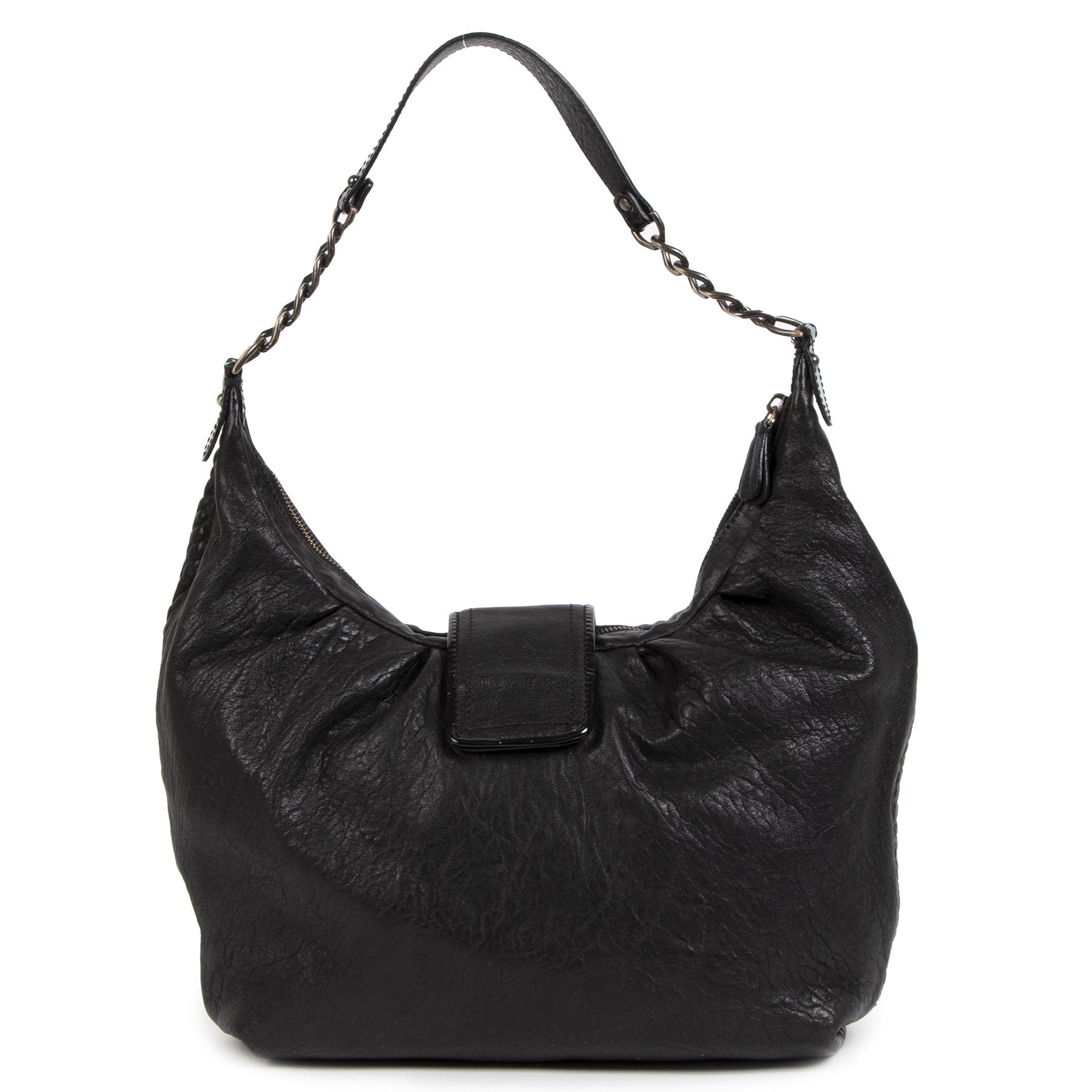 Authentieke Tweedehands Fendi Black Leather B Buckle Shoulder Bag juiste prijs veilig online shoppen luxe merken webshop winkelen Antwerpen België mode fashion