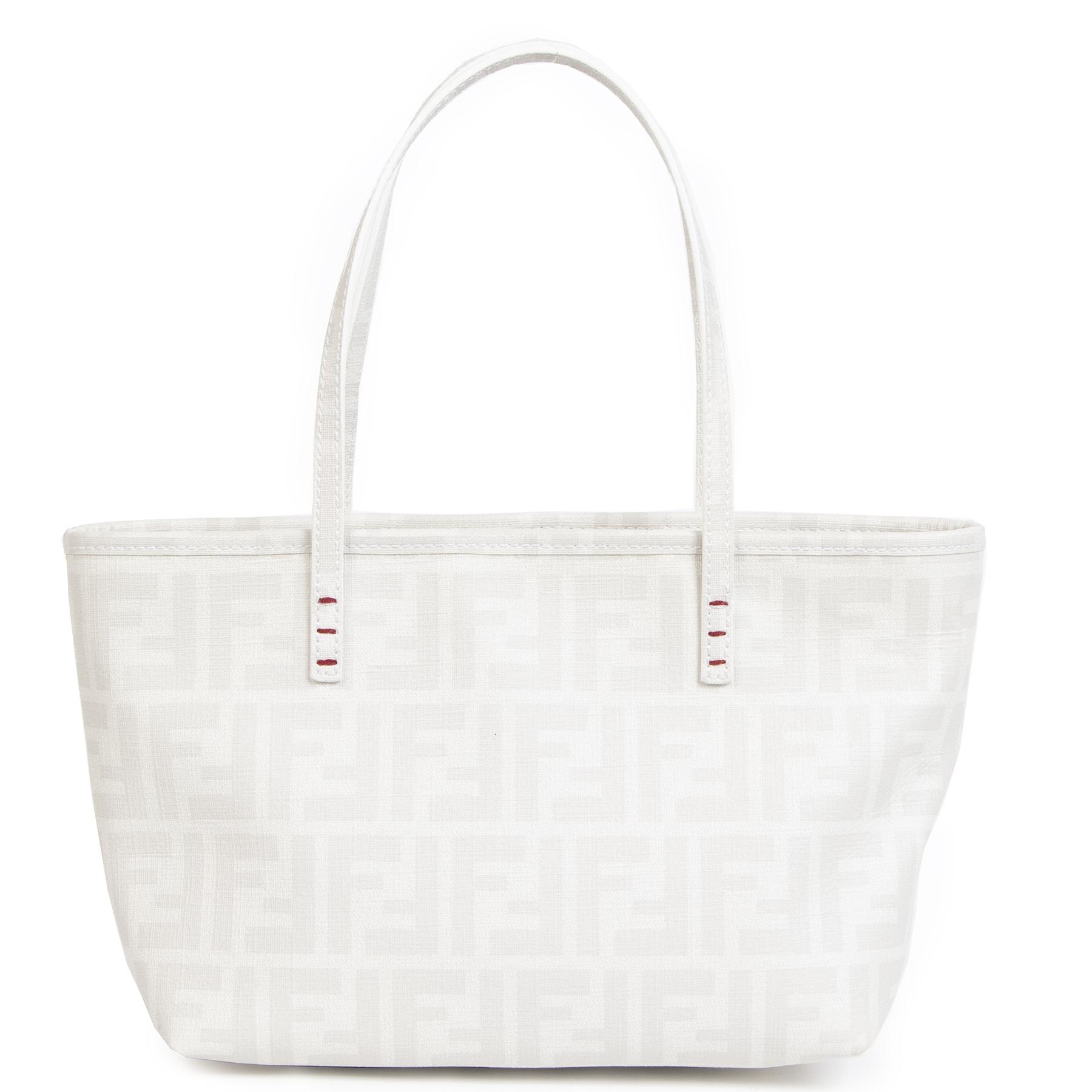 Authentieke Tweedehands Fendi White Zucca Spalmati Embroidered Small Tote Bag juiste prijs veilig online shoppen luxe merken webshop winkelen Antewerpen België mode fashion