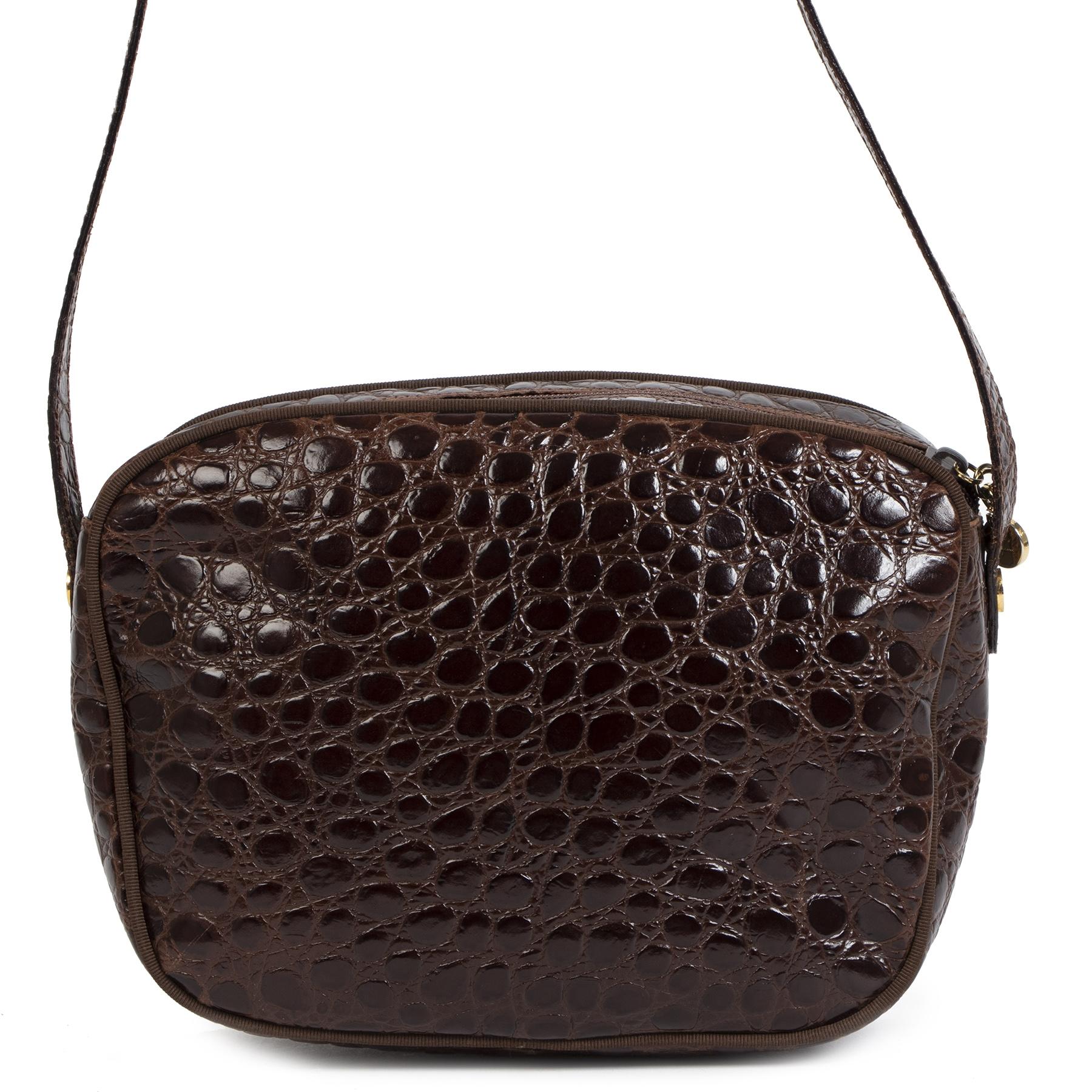 Authentieke Tweedehands Salvatore Ferragamo Dark Brown Crocodile Embossed Crossbody Bag juiste prijs veilig online shoppen luxe merken webshop winkelen Antwerpen België mode fashion