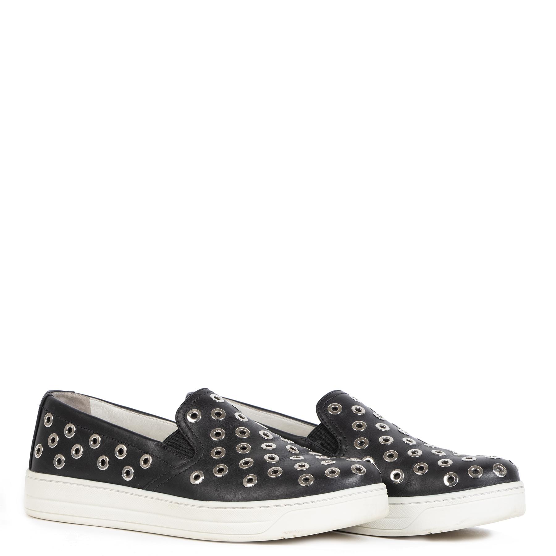 Authentieke Tweedehands Prada Black Slip On Sneakers Silver Studs - size 36 juiste prijs veilig online shoppen luxe merken webshop winkelen Antwerpen België mode fashion