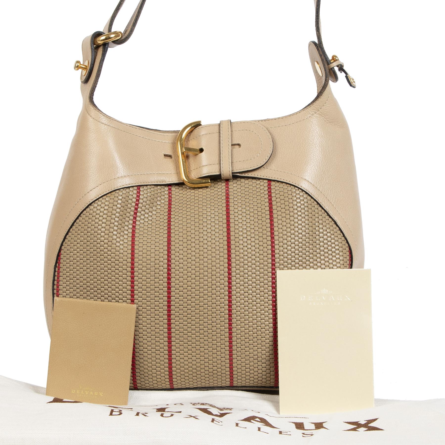 Koop en verkoop uw authentieke Delvaux Chardonnay Toile de Cuir Desert Bag aan de beste prijs