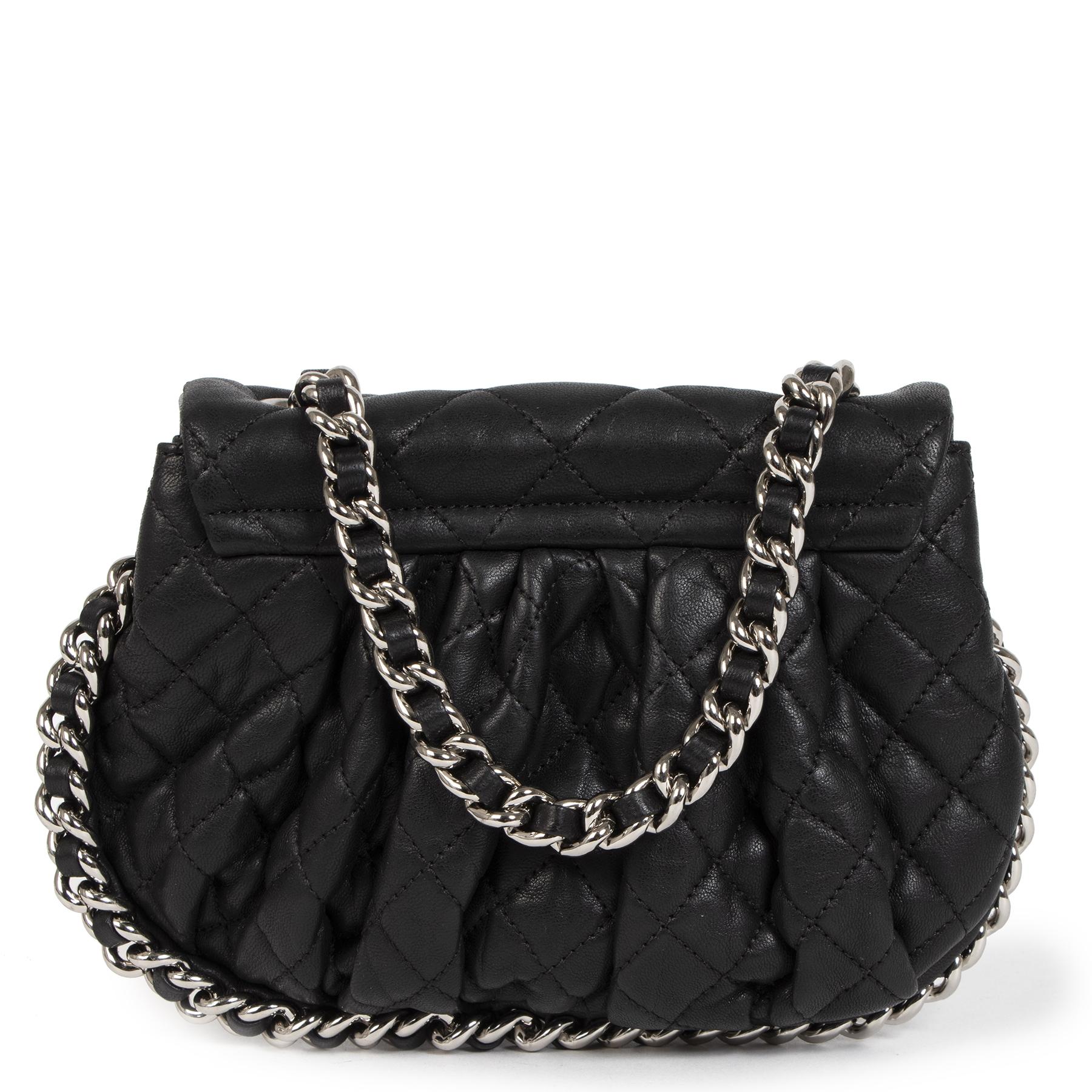 Authentieke Tweedehands Chanel Black Leather Chain Around Bag juiste prijs veilig online shoppen luxe merken webshop winkelen Antwerpen belgië mode fashion