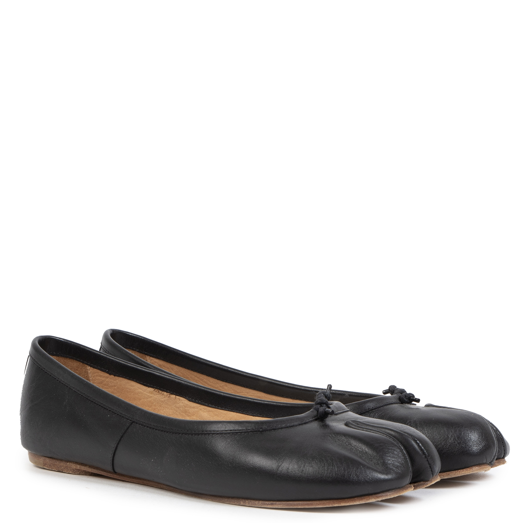 Authentic secondhand Maison Margiela Black Leather Tabi Toe Ballerina Flats - Size 37 designer bags accessories shoes clothing luxury vintage webshop fashion designer brands safe secure online shopping worldwide shipping