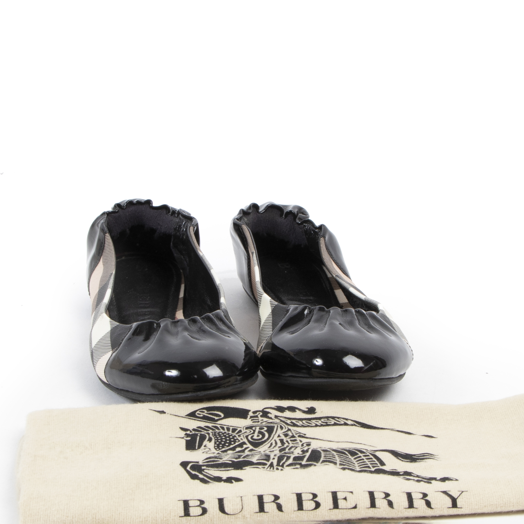Buy authentic used Burberry Shoes with right price at LabelLOV.