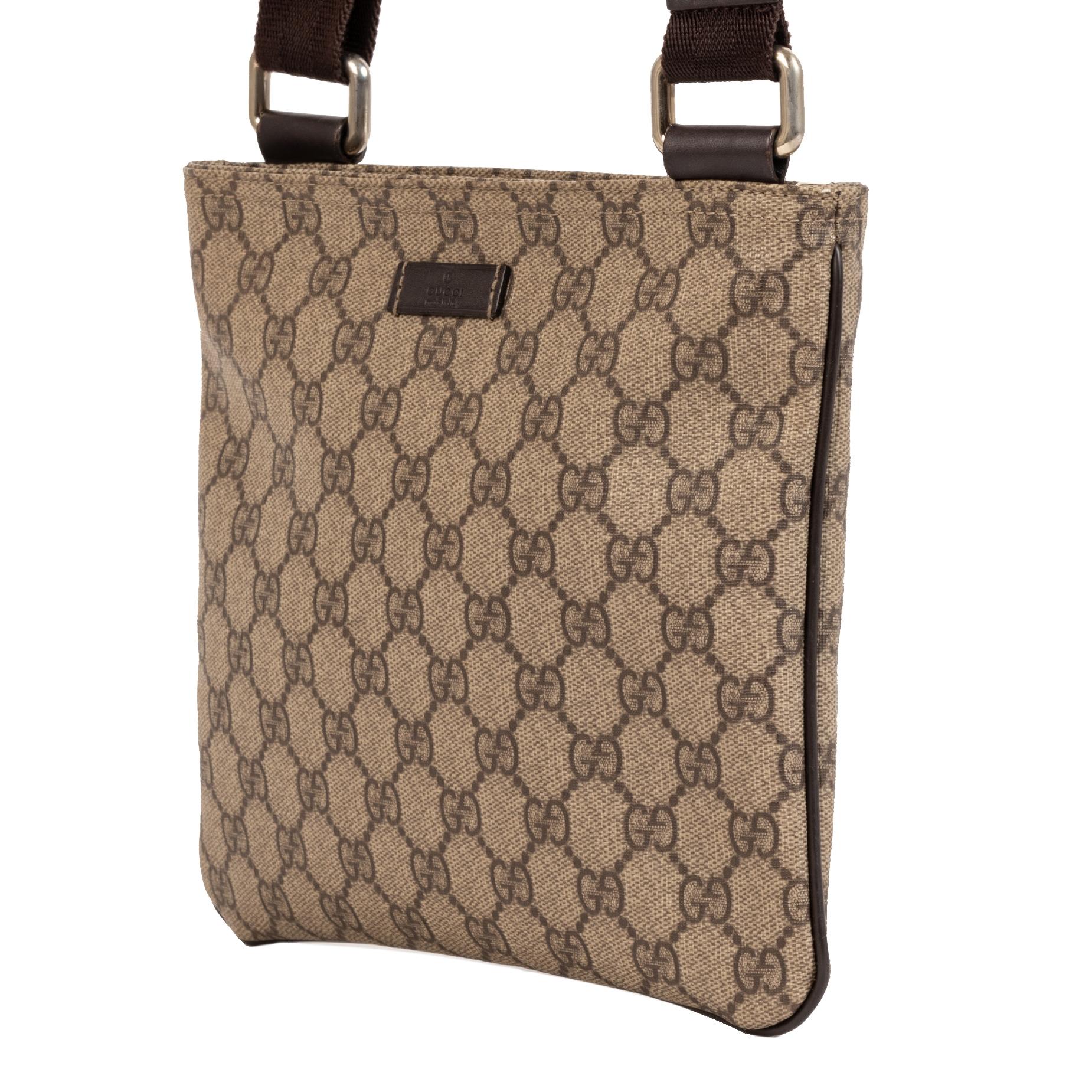 Gucci GG Supreme Crossbody Messenger Bag te koop bij Labellov tweedehands luxe