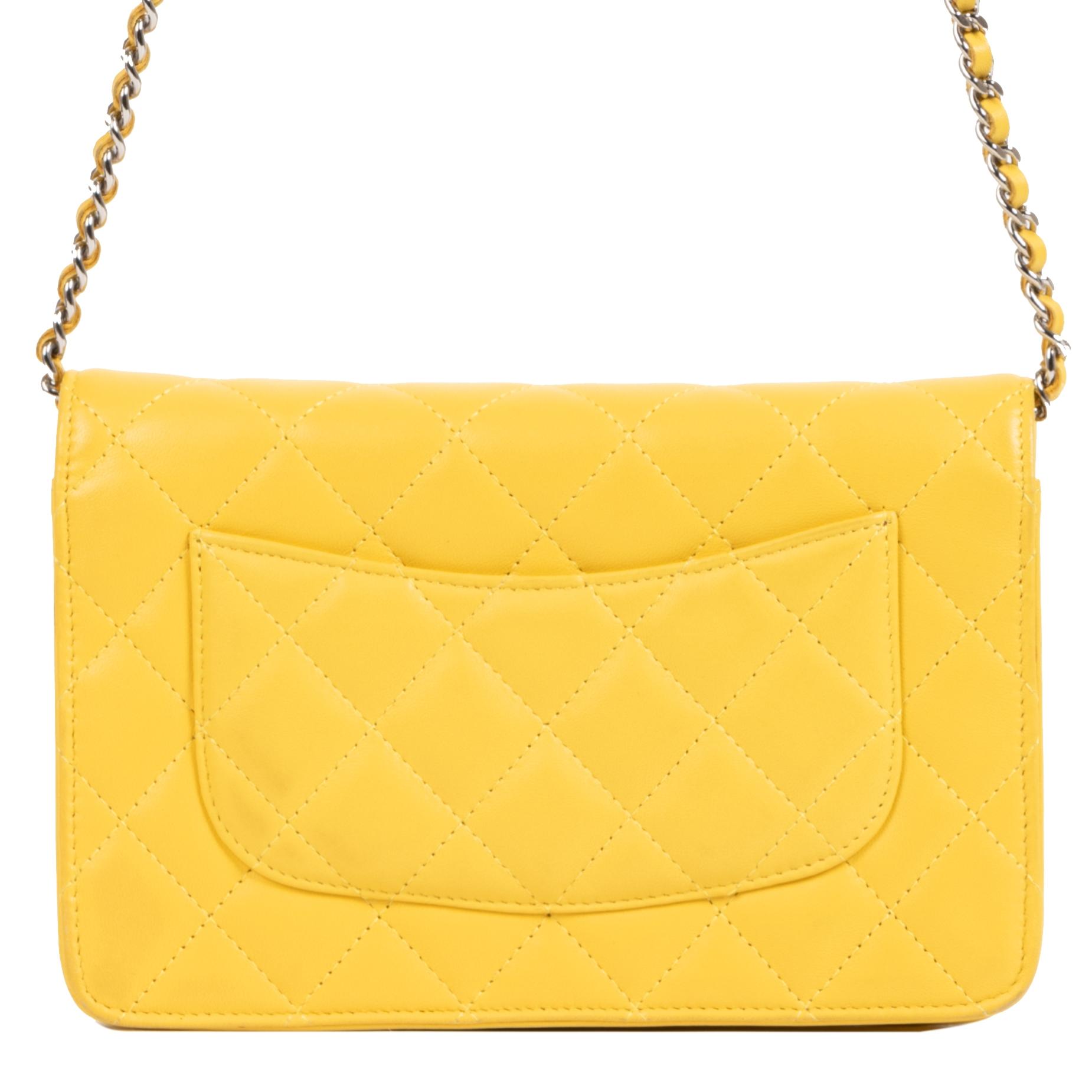 Authentieke Tweedehands Chanel Yellow Wallet On Chain juiste prijs veilig online shoppen luxe merken webshop winkelen Antwerpen België mode fashion