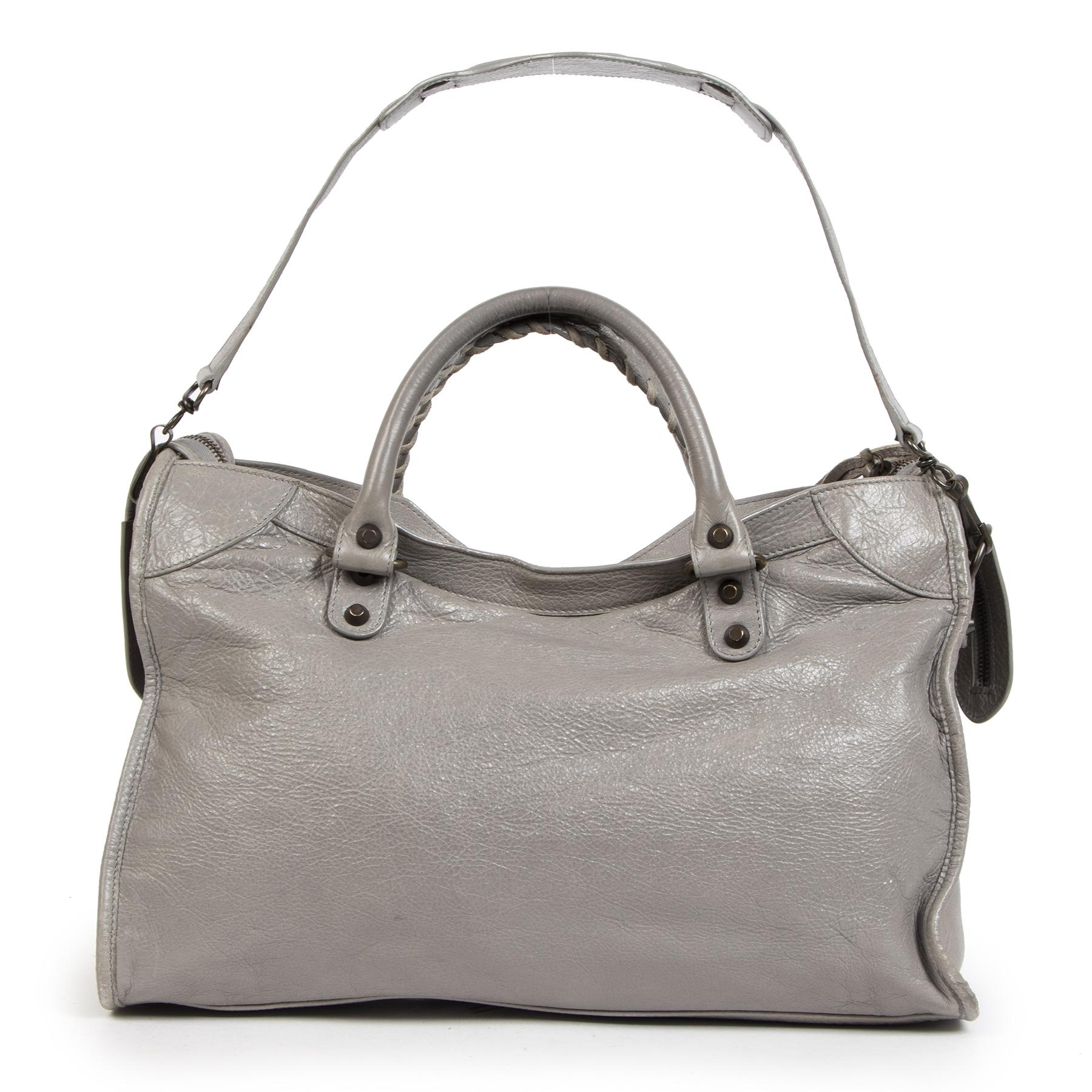 Authentieke tweedehands Balenciaga grijze lederen tassen koop cadeaus tegen de juiste prijs veilig online winkelen LabelLOV webshop luxe merken winkelen Antwerpen België mode