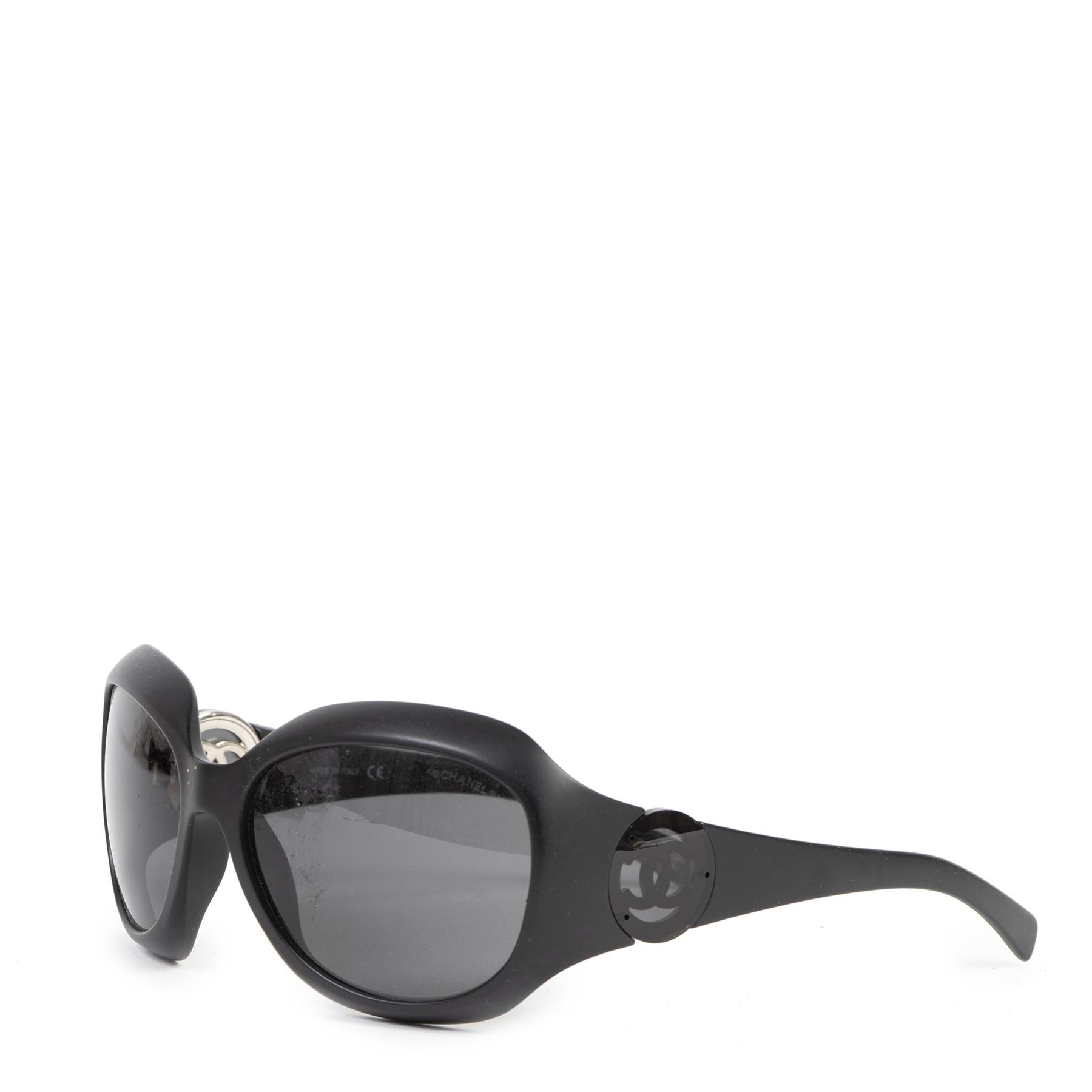 Authentieke Tweedehands Chanel Black CC Logo Sunglasses juiste prijs veilig online shoppen luxe merken webshop winkelen Antwerpen België mode fashion