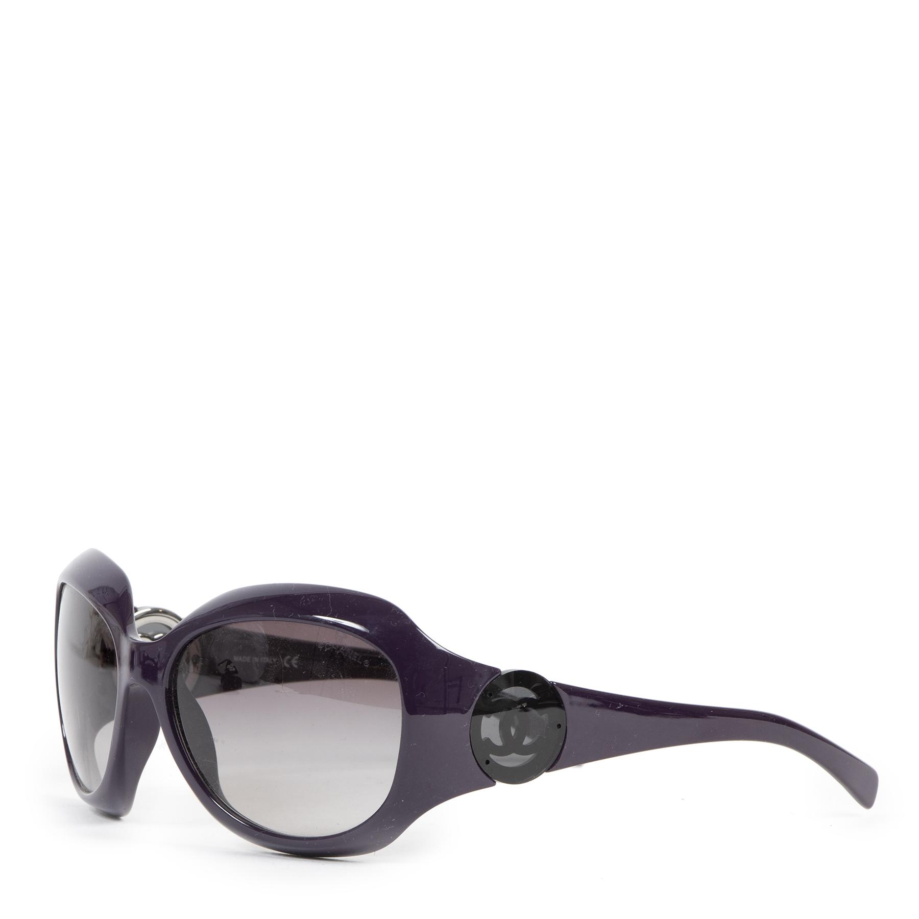 Authentieke Tweedehands Chanel Purple CC Logo Sunglasses juiste prijs veilig online shoppen luxe merken webshop winkelen Antwerpen België mode fashion