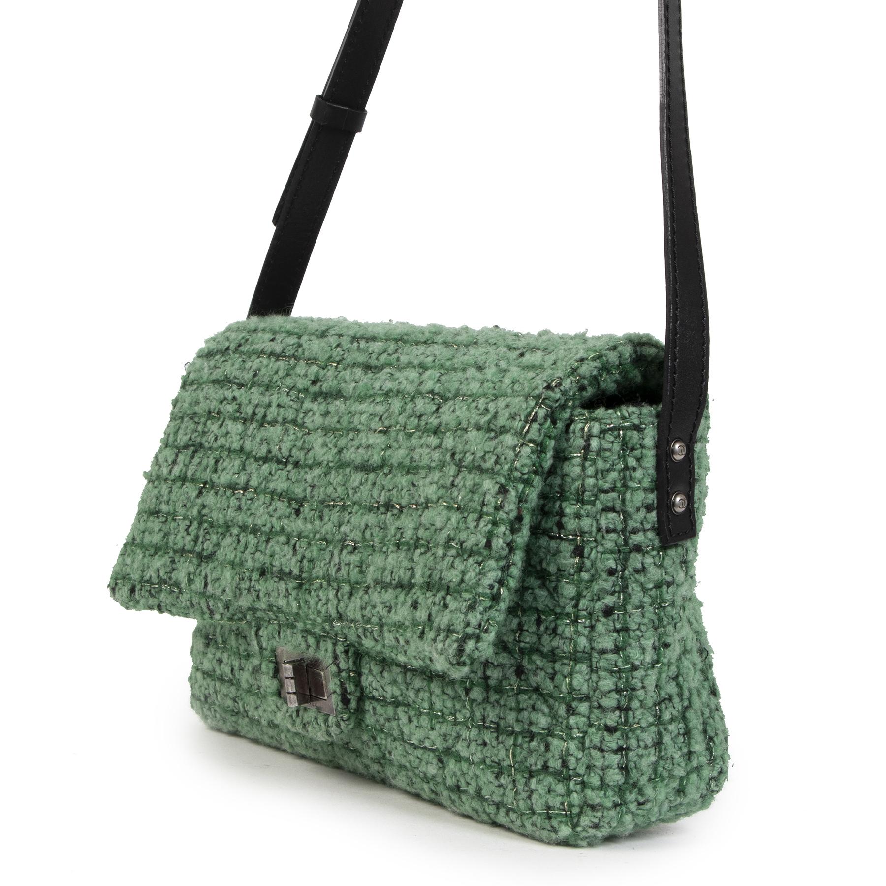 Koop Chanel Green Wool Fabric Flap Bag aan de juiste prijs in alle veiligheid online LabelLOV luxe merken Antwerpen België
