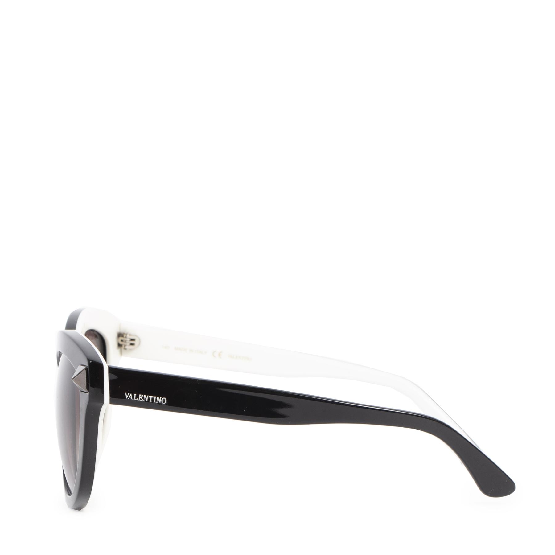 Authentieke Tweedehands Valentino Black Stud Cat-Eye Sunglasses juiste prijs veilig online shoppen luxe merken webshop winkelen Antwerpen België mode fashion