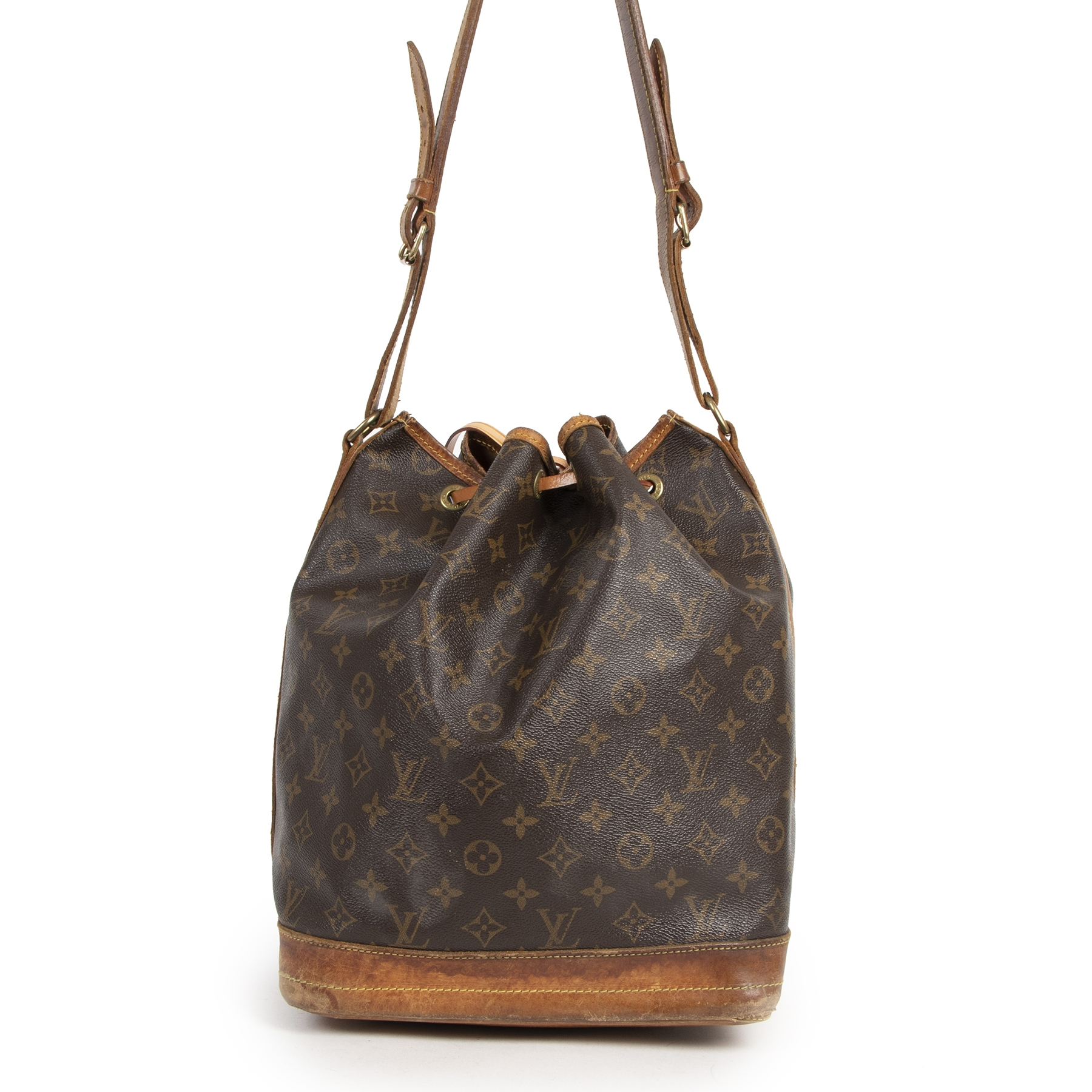 Authentic secondhand Louis Vuitton Monogram Noé Bucket Bag designer bags luxury vintage webshop safe secure online shopping worldwide shipping delivery