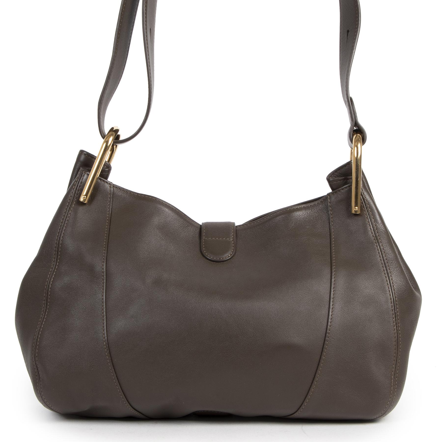 Koop authentieke tweedehands Delvaux tassen met de juiste prijs bij LabelLOV Antwerpen.