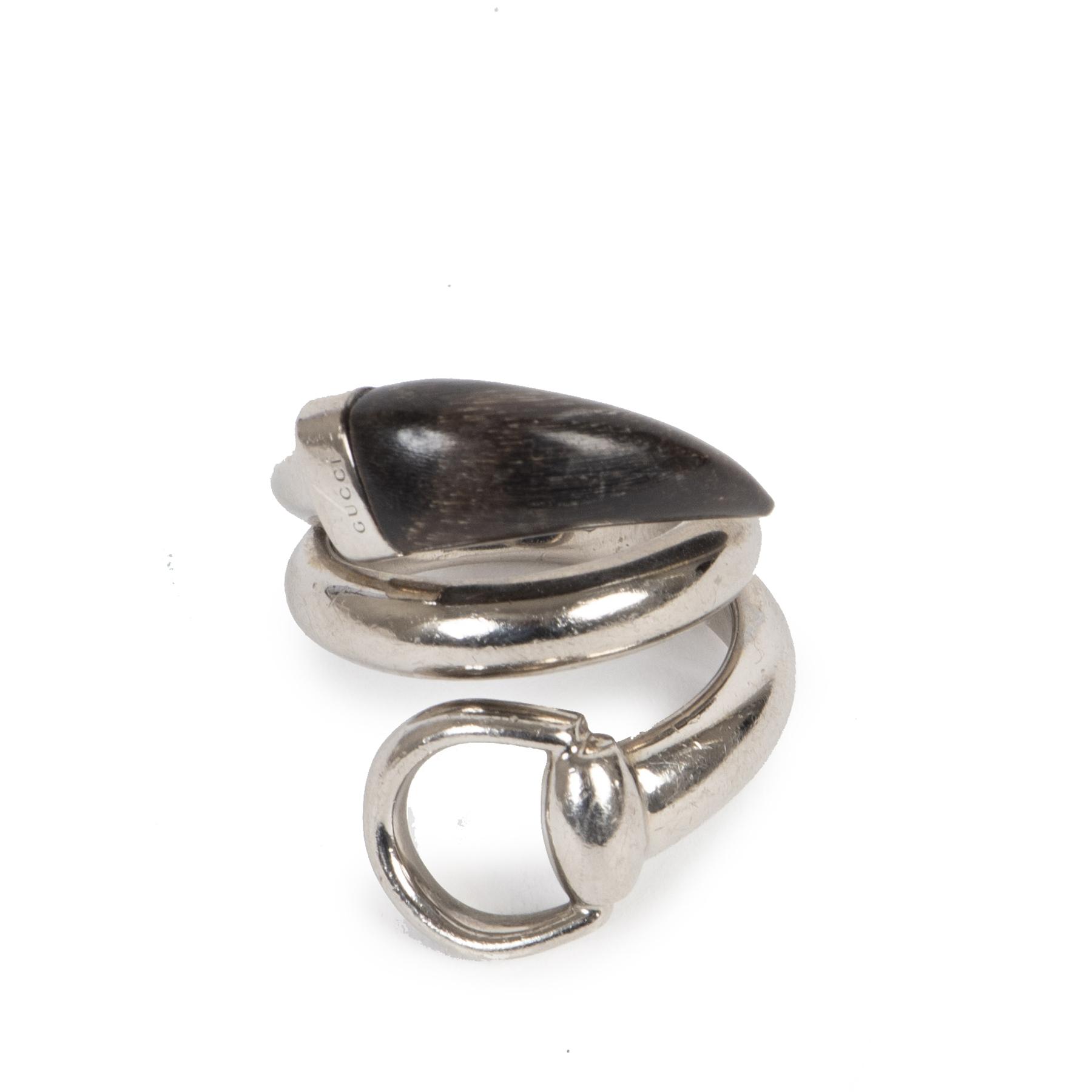 Koop authentieke tweedehands Gucci ringen met de juiste prijs bij LabelLOV