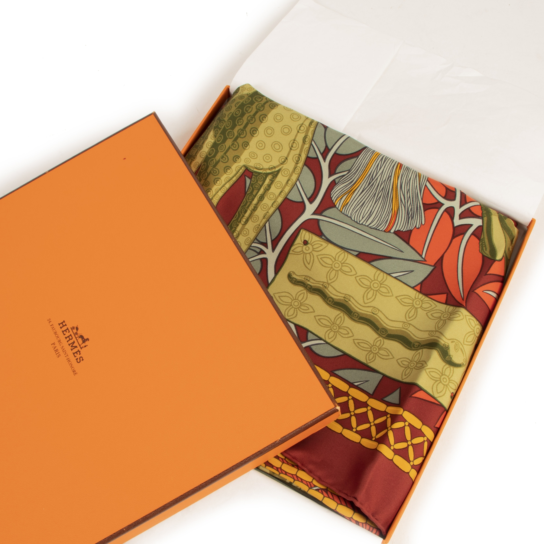 Authentic secondhand Hermès Carré 'Trésor Royal du Bénin' Silk Scarf designer accessories bags luxury vintage webshop designer high end brands safe secure online shopping fashion