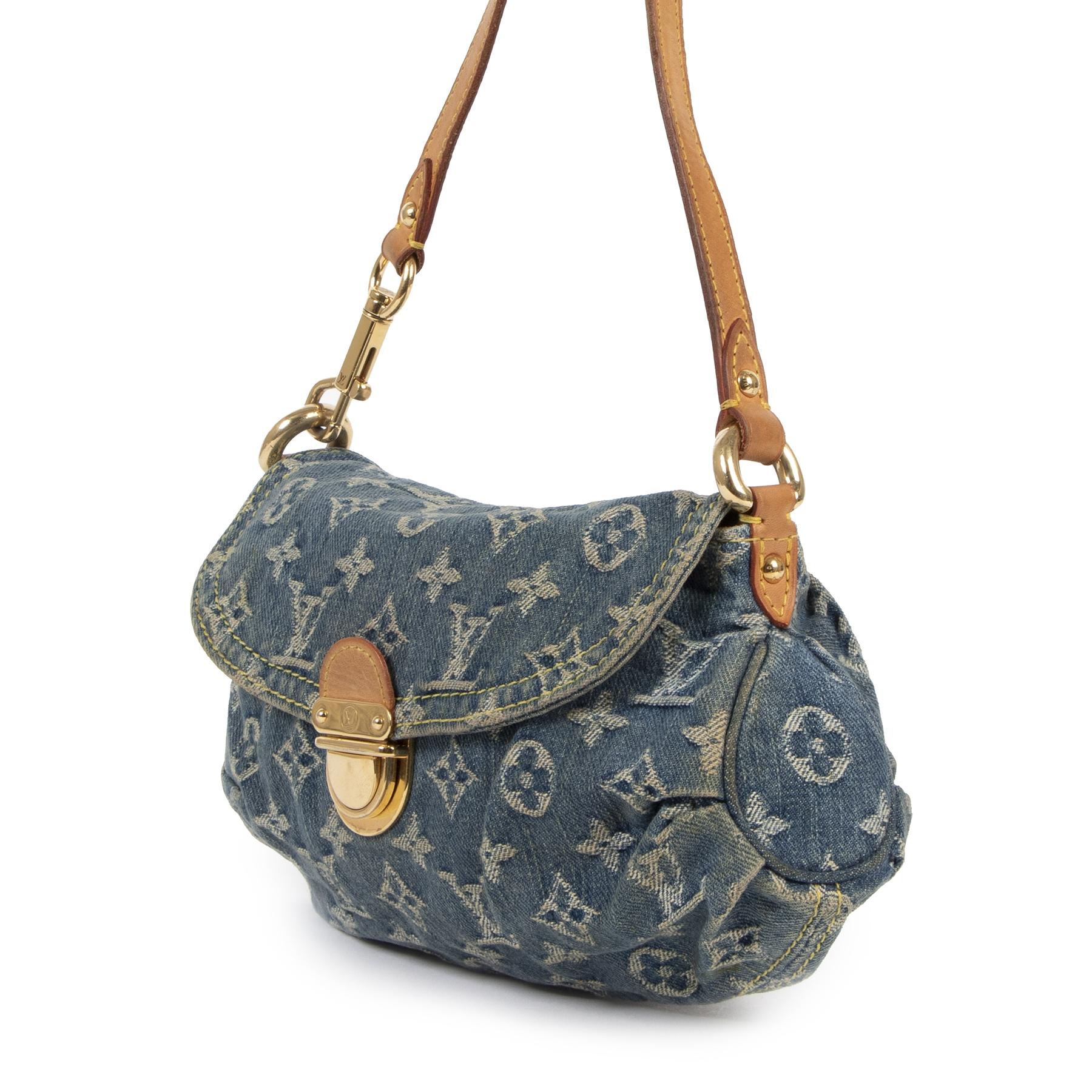 acheter en ligne seconde main Louis Vuitton Pleaty Blue Denim Baguette