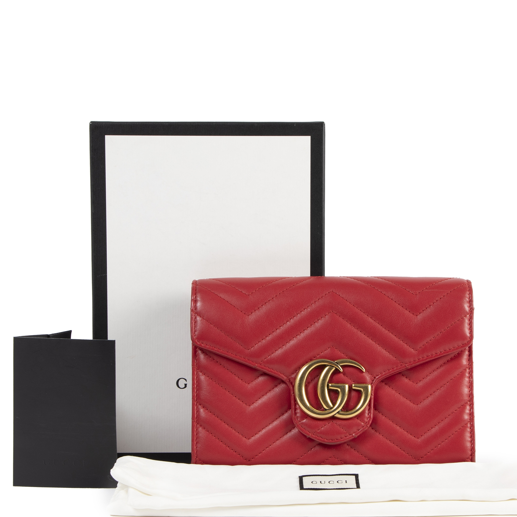 Authentieke tweedehands vintage Gucci GG Red Marmont Matelasse Leather Mini Bag koop online webshop LabelLOV