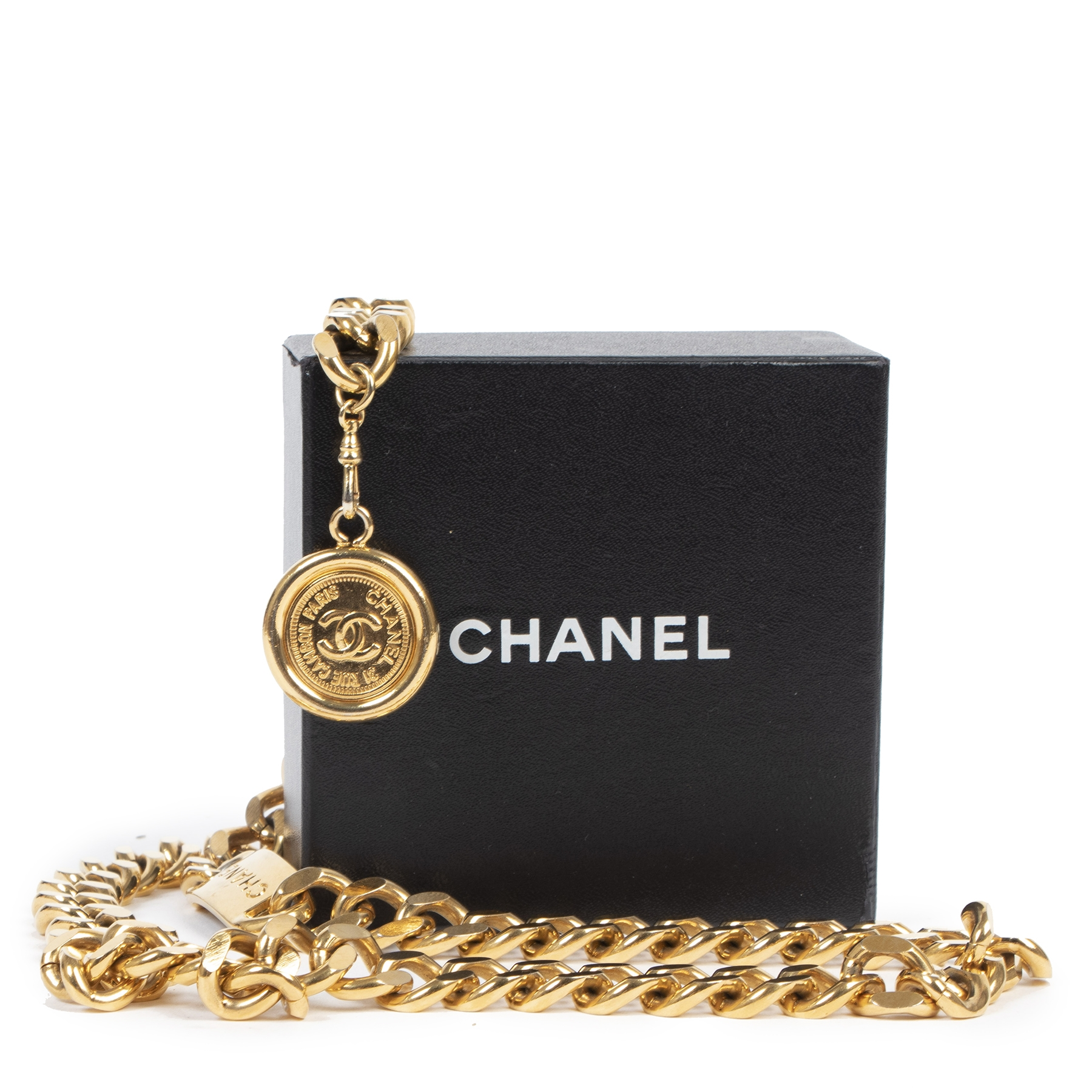 Authentic second-hand vintage Chanel Gold Logo Plate Medallion Chain Belt buy online webshop LabelLOV