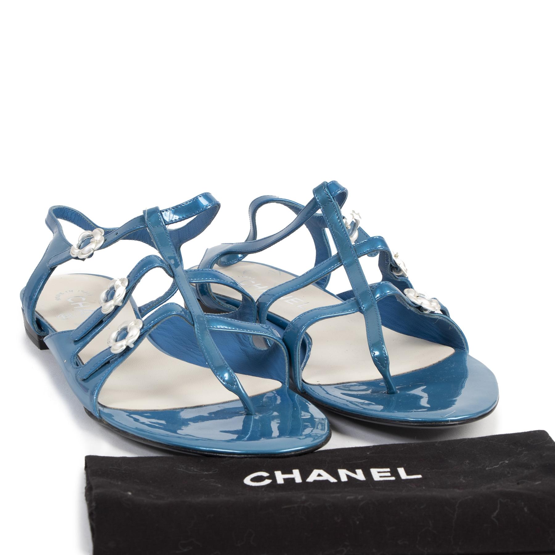 Authentieke Tweedehands Chanel Blue Patent Leather Sandals - Size 40 juiste prijs veilig online shoppen luxe merken webshop winkelen Antwerpen België mode fashion