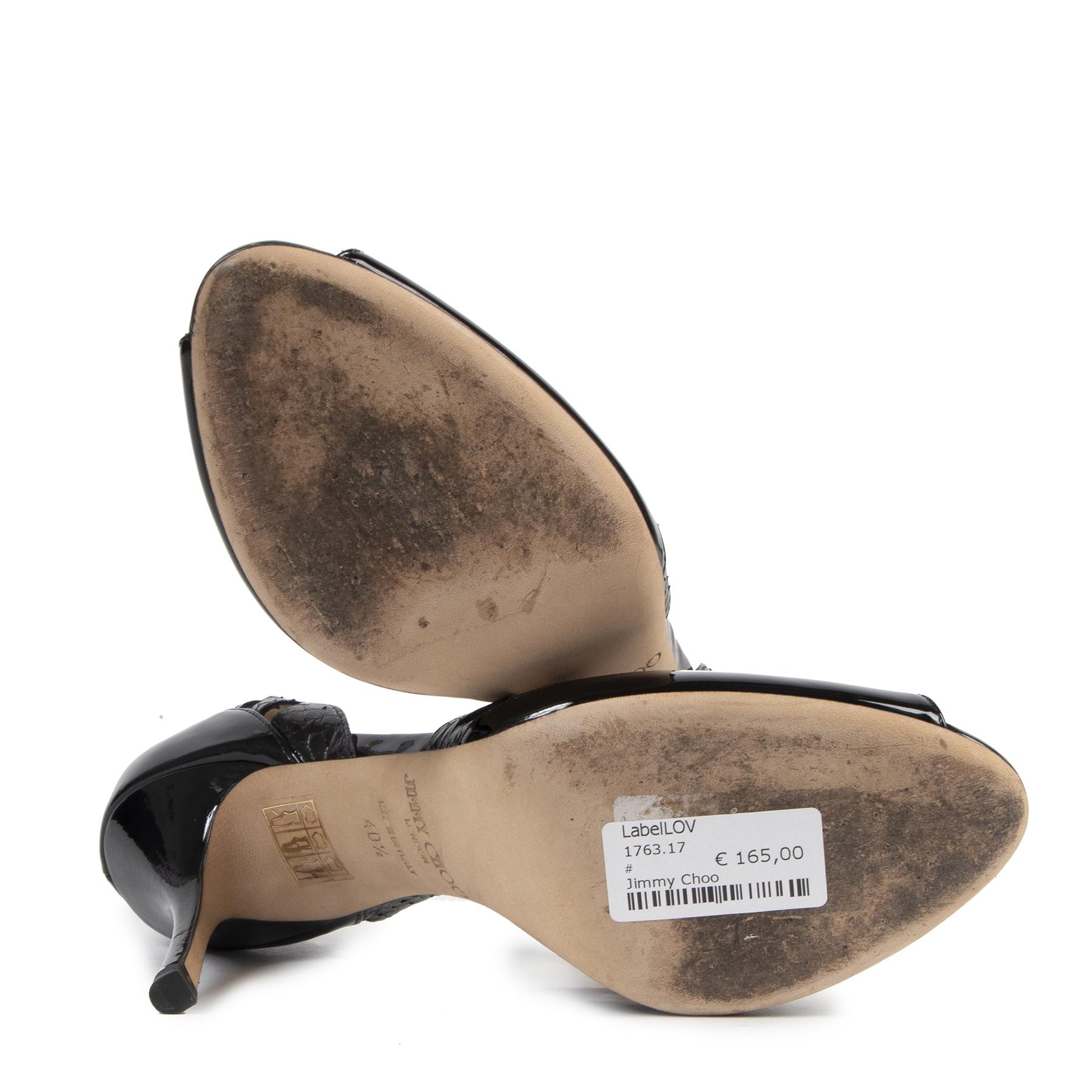 Authentieke tweedehands vintage Jimmy Choo Patent Leather Perforated Pumps - Size 40,5 koop online webshop LabelLOV